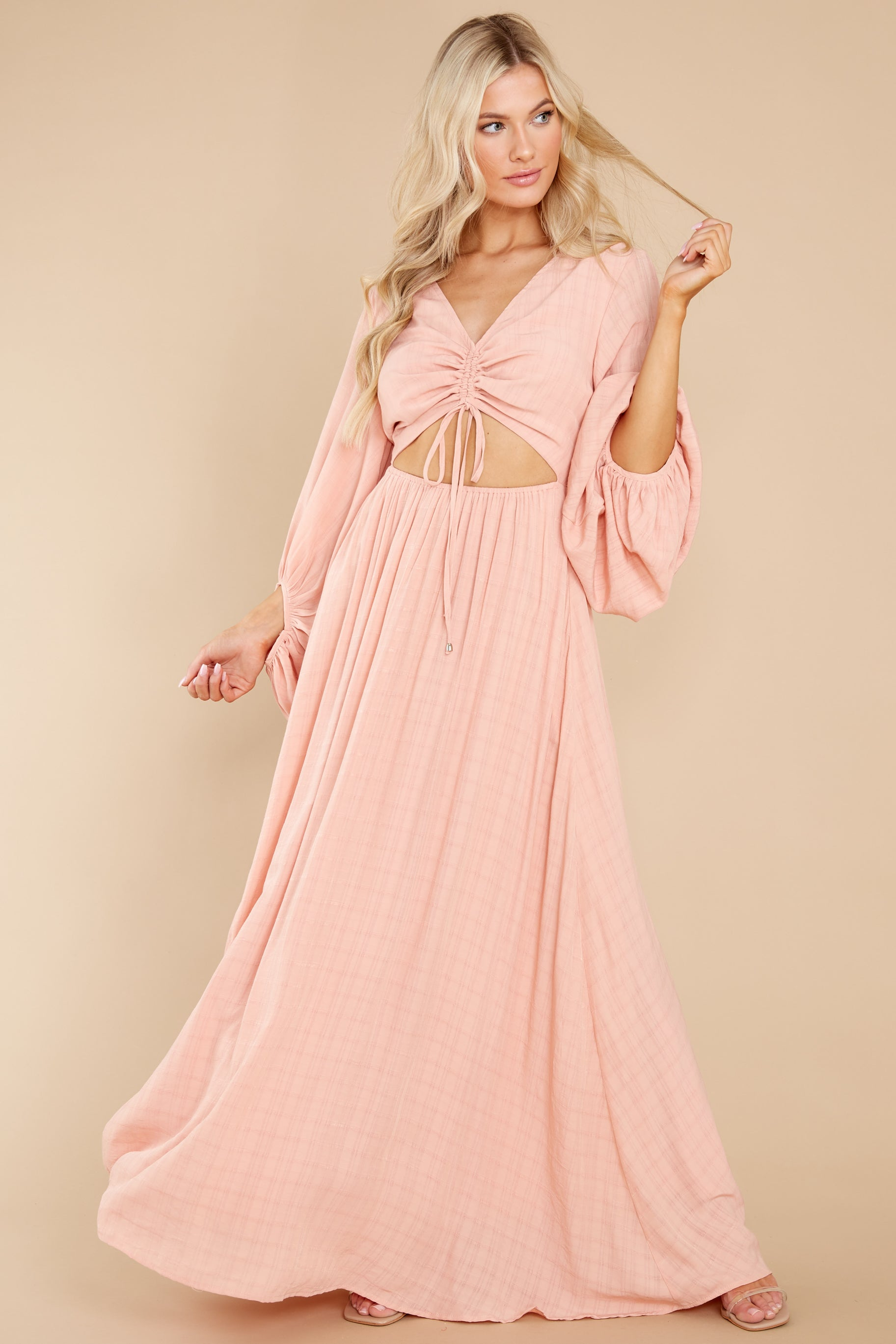 5 Going For This Peach Maxi Dress at reddress.com