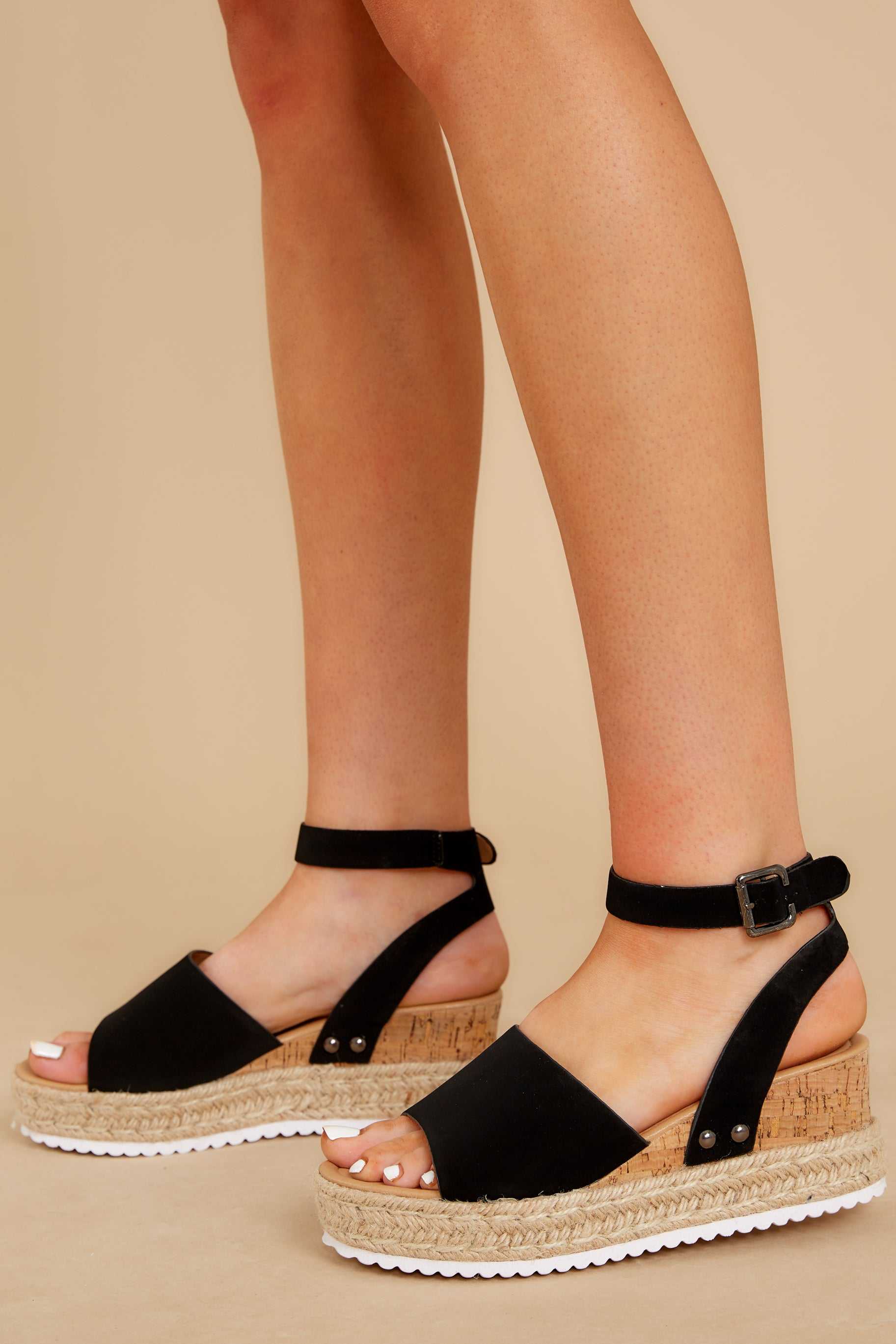 4 Meet Me Here Black Flatform Sandal at reddress.com