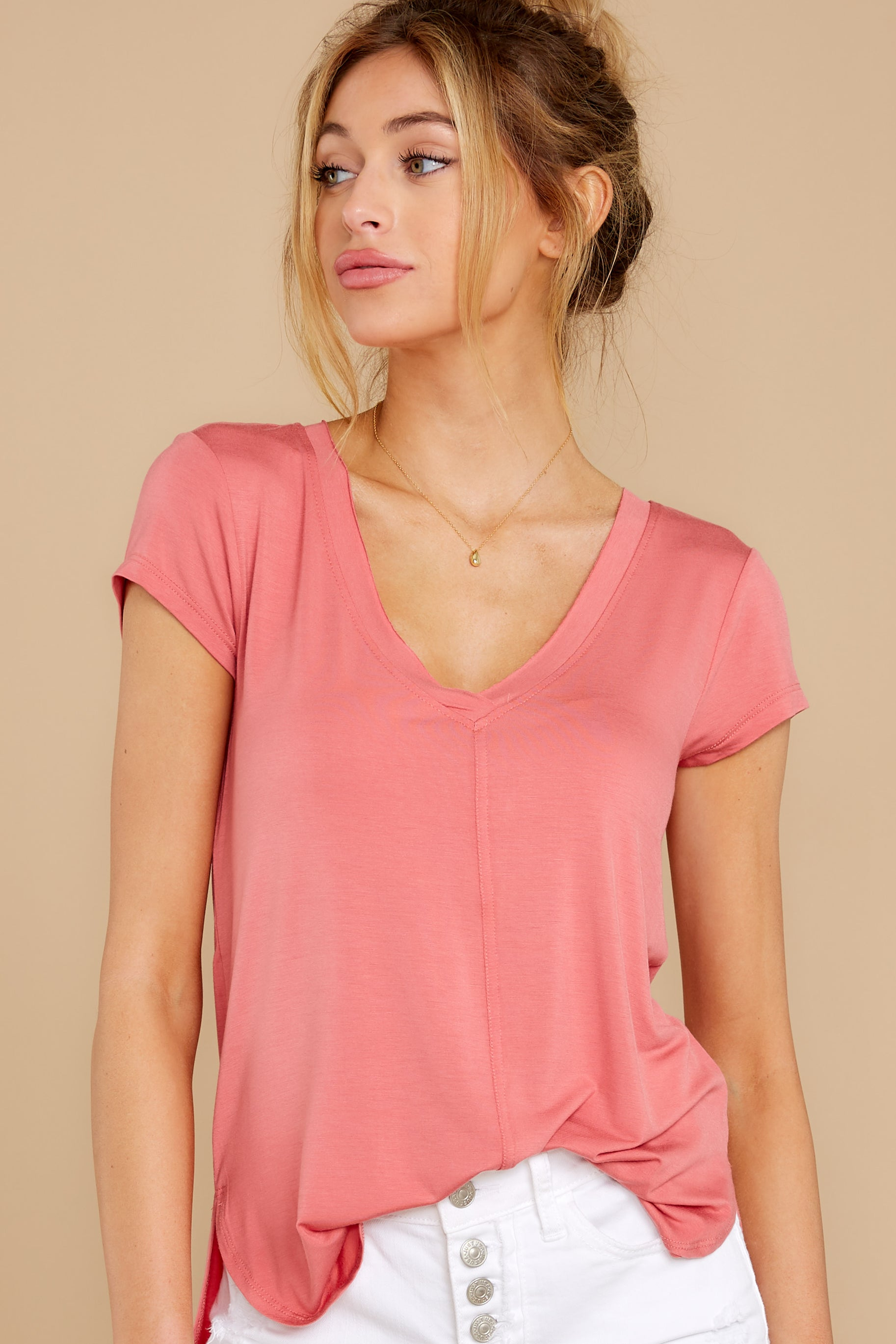 6 The Slate Rose Mya V Neck Tee at reddress.com