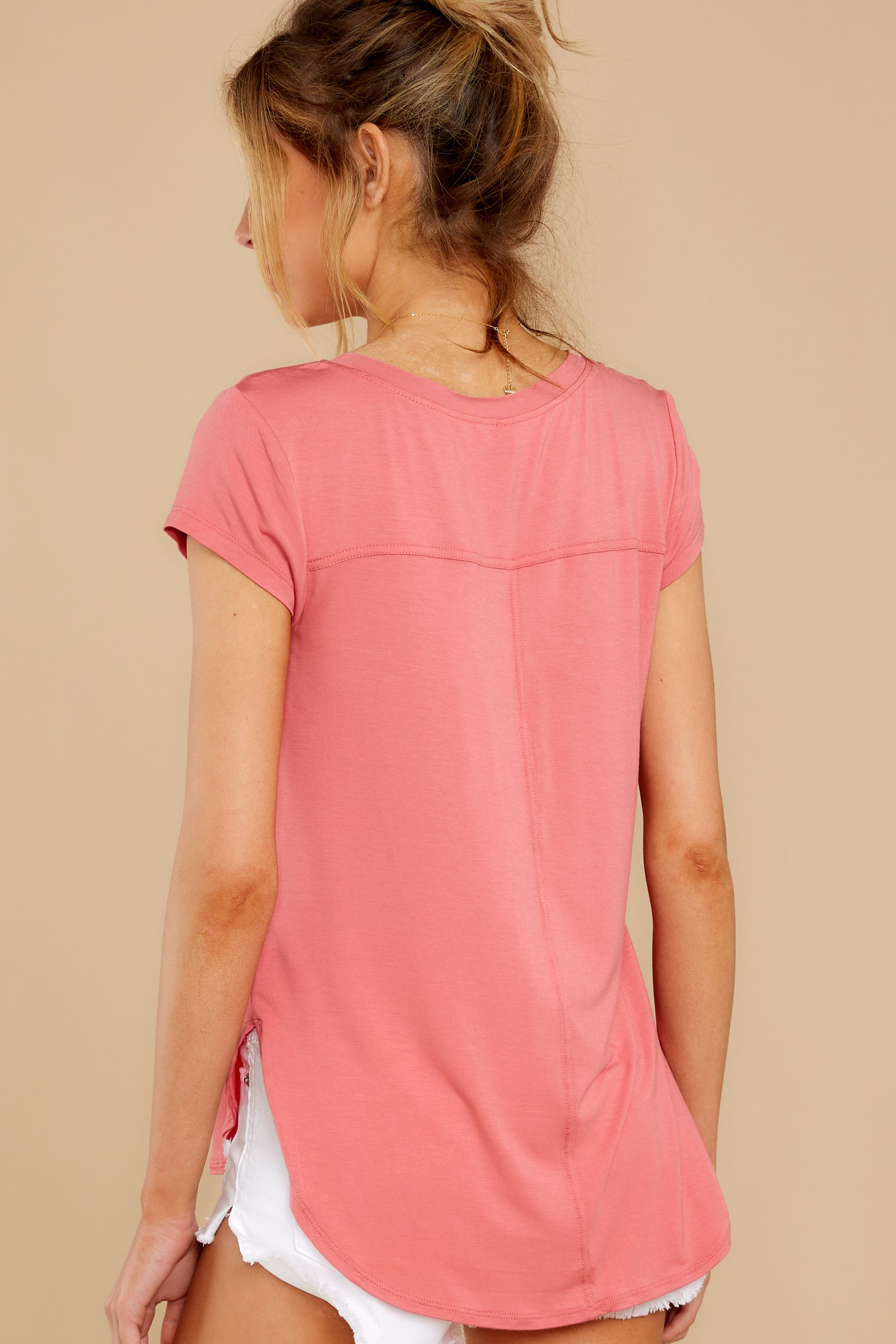 7 The Slate Rose Mya V Neck Tee at reddress.com