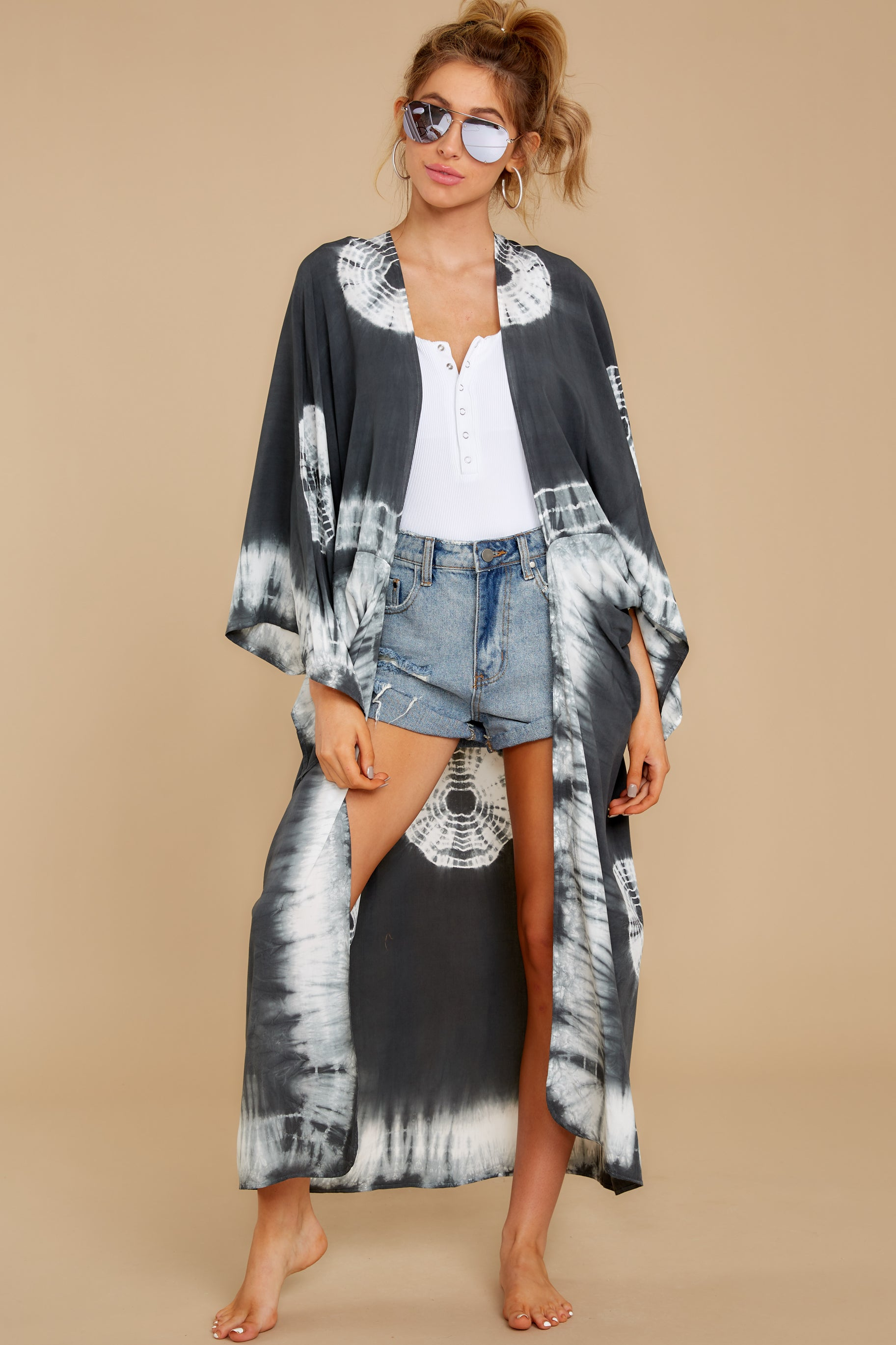 2 Focus On The Good Charcoal Tie Dye Kimono at reddress.com
