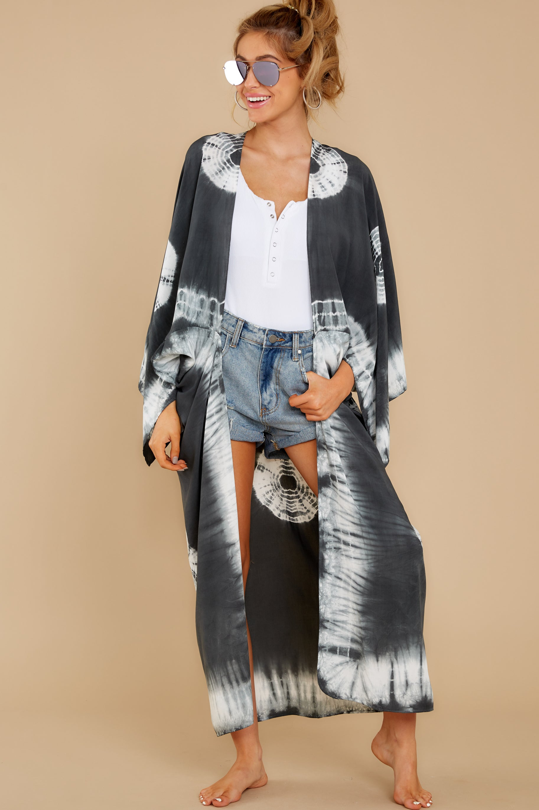 7 Focus On The Good Charcoal Tie Dye Kimono at reddress.com