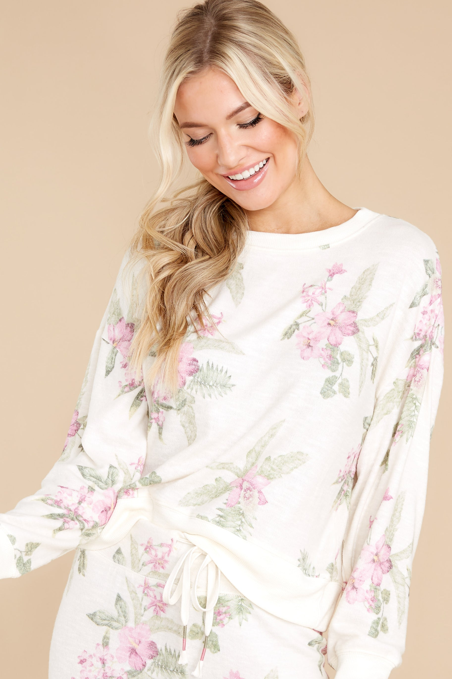 6 Elle Bone Floral Top at reddress.com