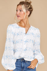 5 Sweet Intentions White And Blue Floral Print Top at reddress.com