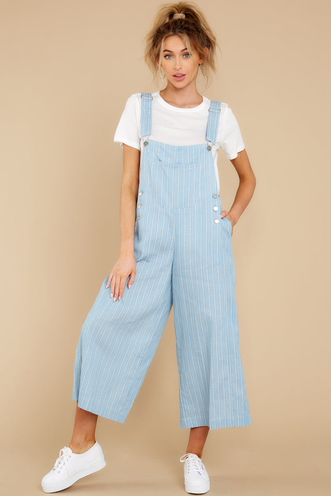 5 No One Can Deny Short Light Denim Overalls at reddress.com