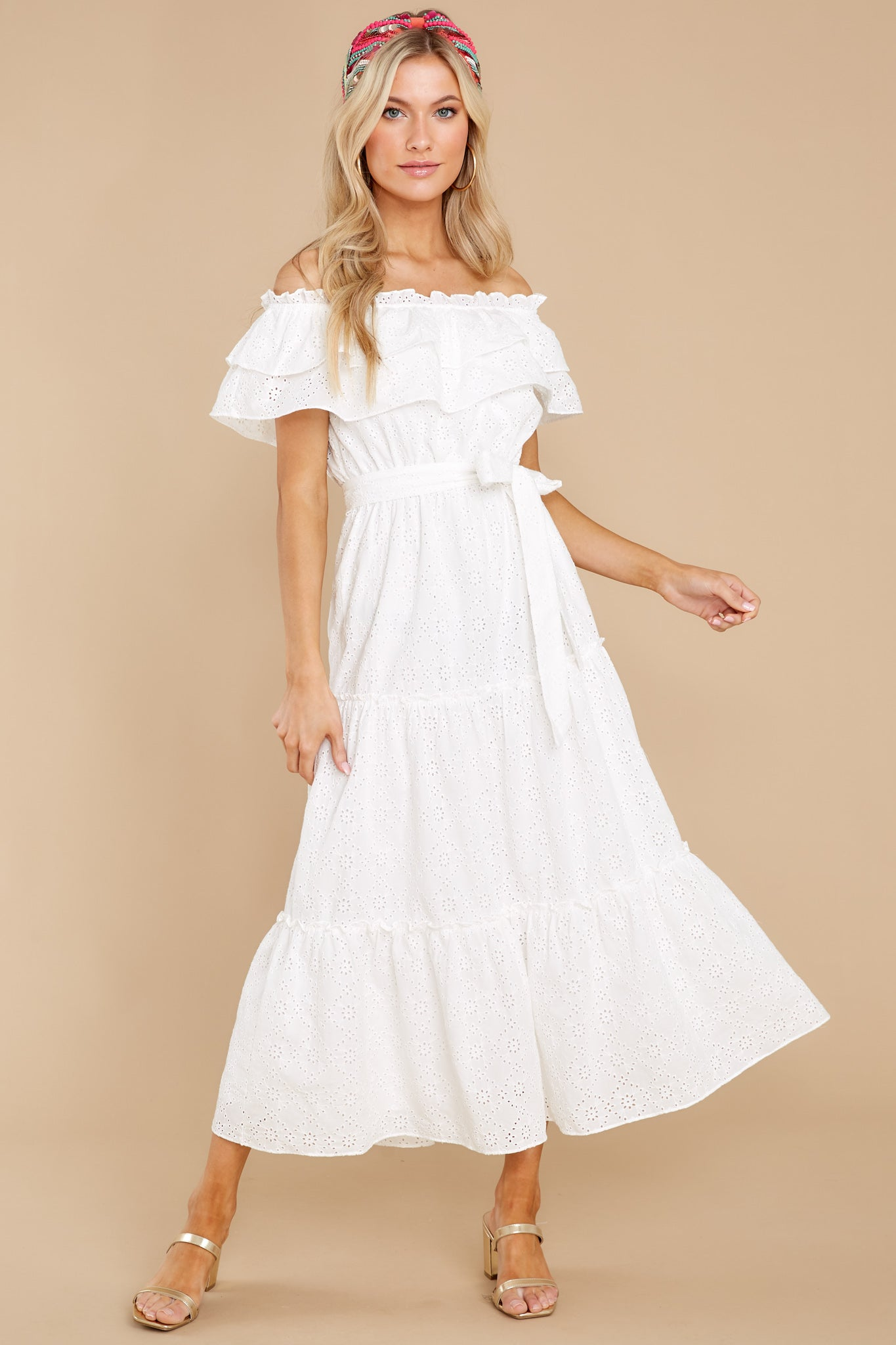 Cottagecore Dresses – Aesthetic, Granny, Vintage Relaxing Getaway White Maxi Dress $68.00 AT vintagedancer.com