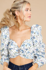 5 Fields Of Love White And Blue Floral Print Crop Top at reddress.com