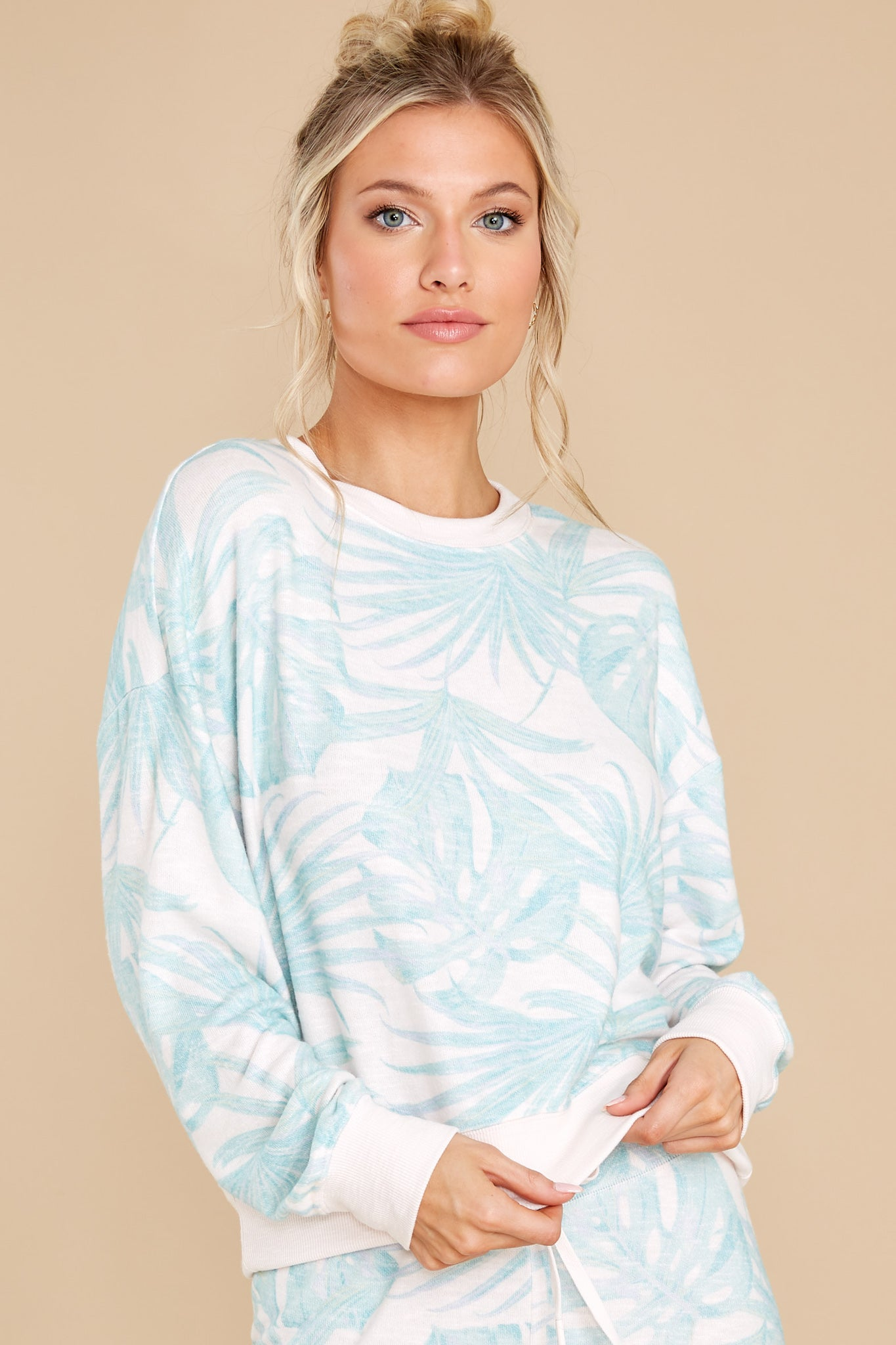 7 Elle Pink Mist Palm Pullover at reddress.com