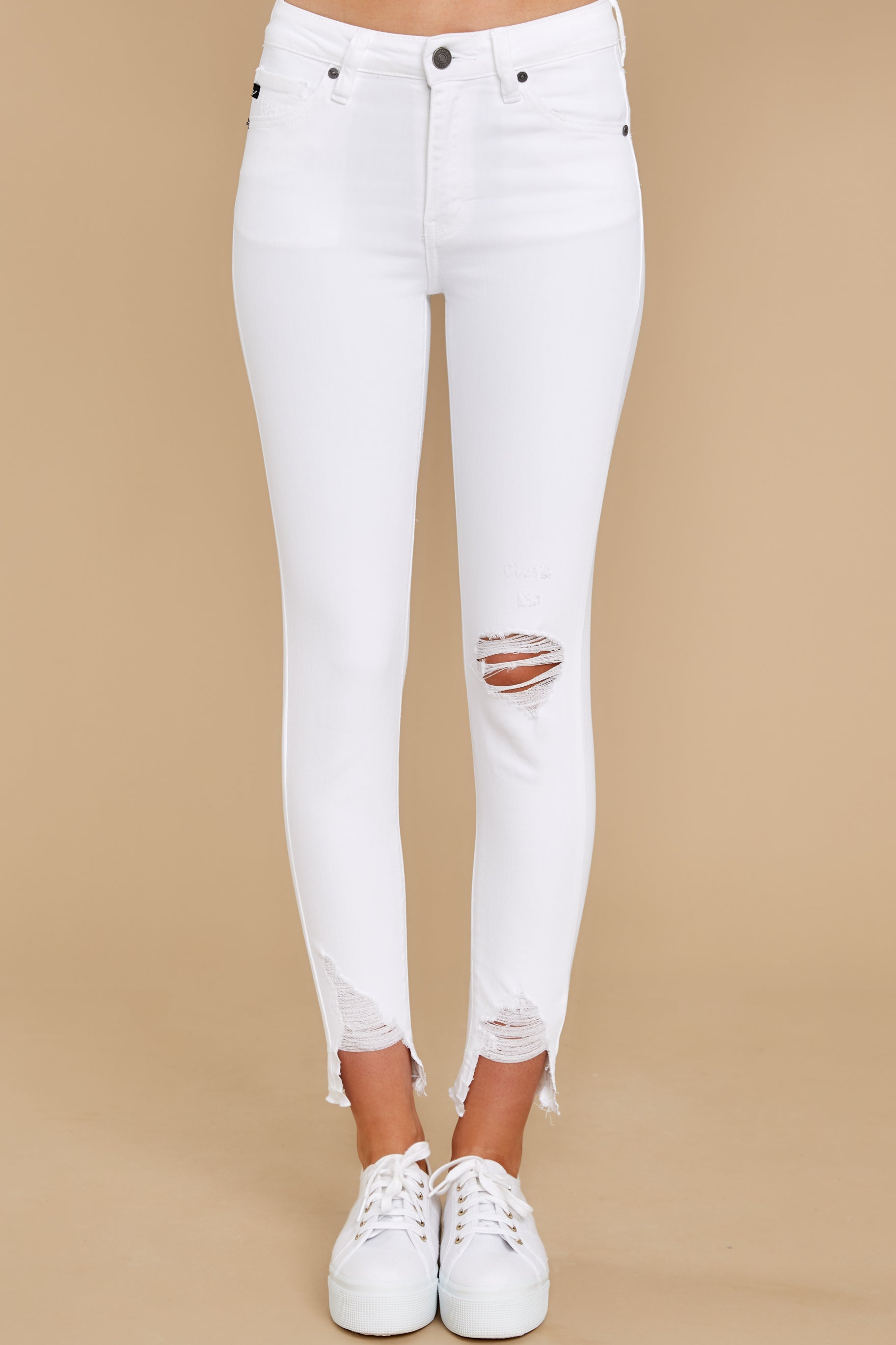 3 Come My Way White Distressed Skinny Jeans at reddress.com