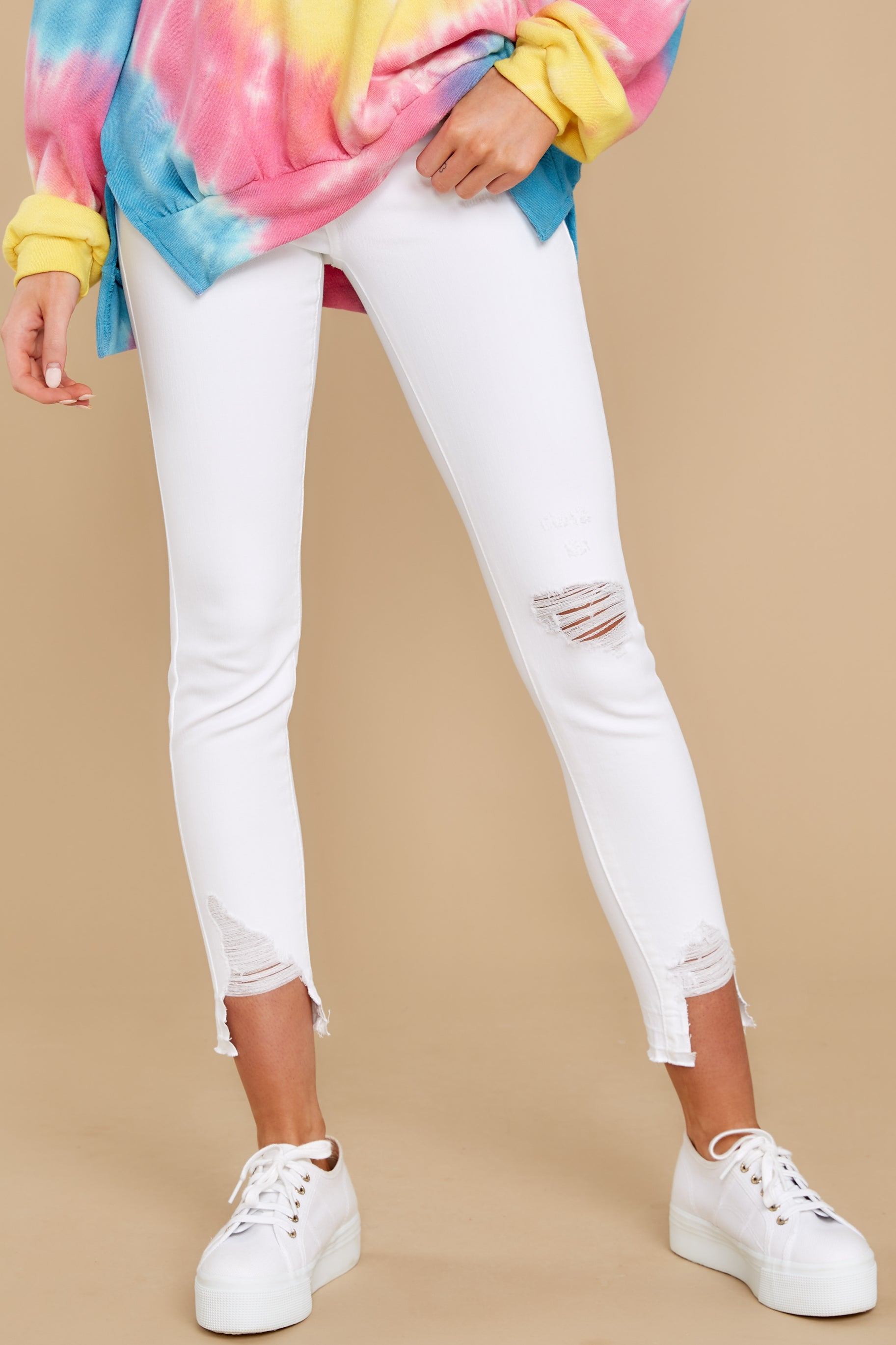2 Come My Way White Distressed Skinny Jeans at reddress.com