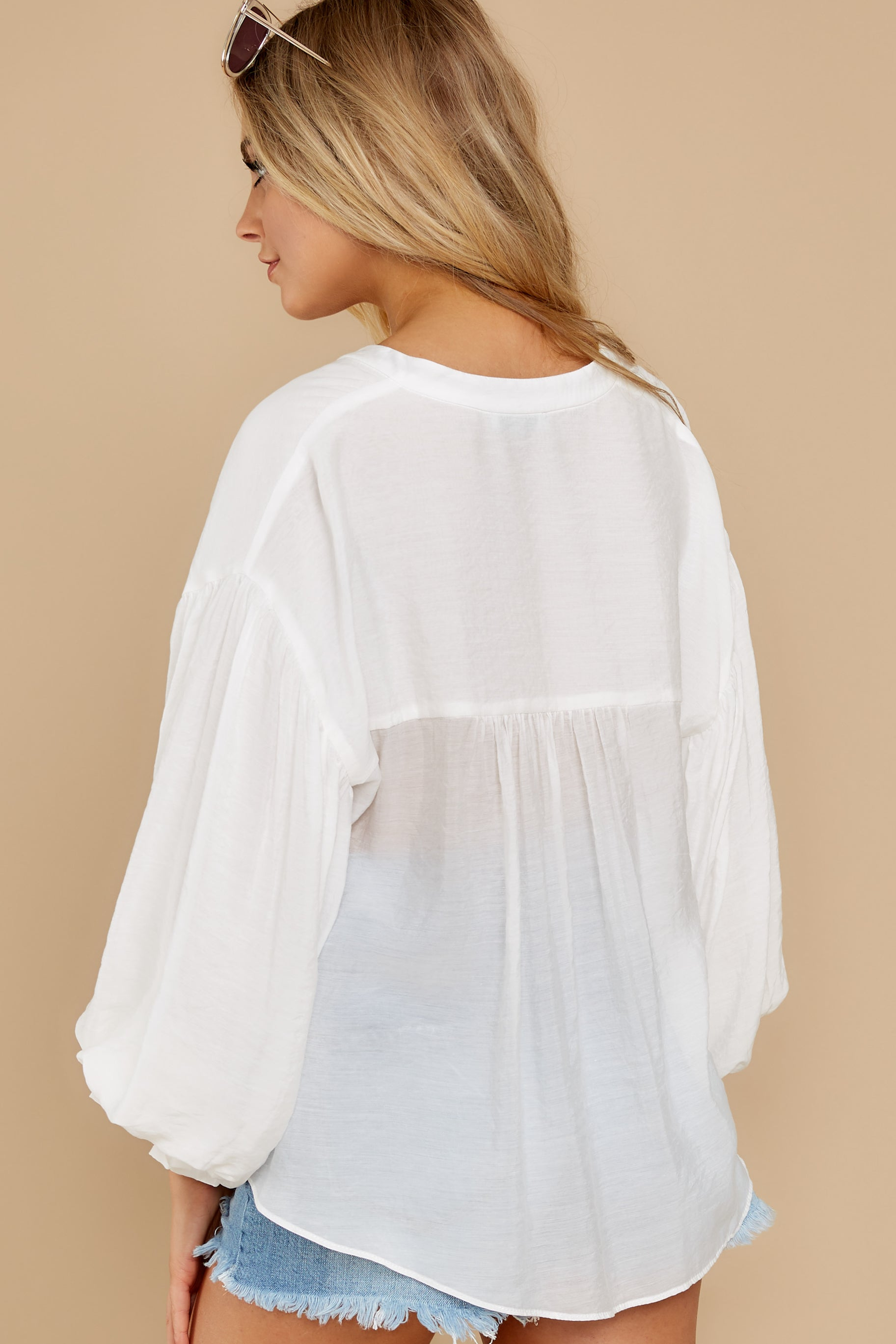 7 Whit and Whimsy White Top at reddress.com