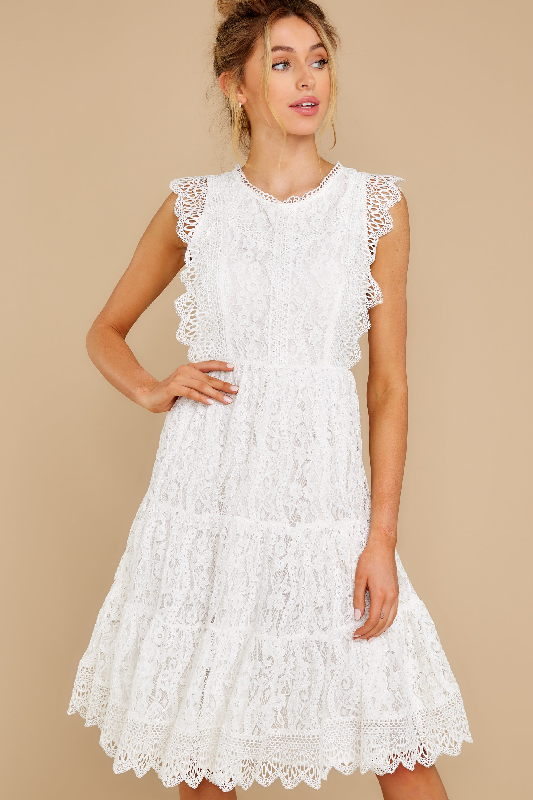 5 Simply Amazing White Lace Dress at reddress.com
