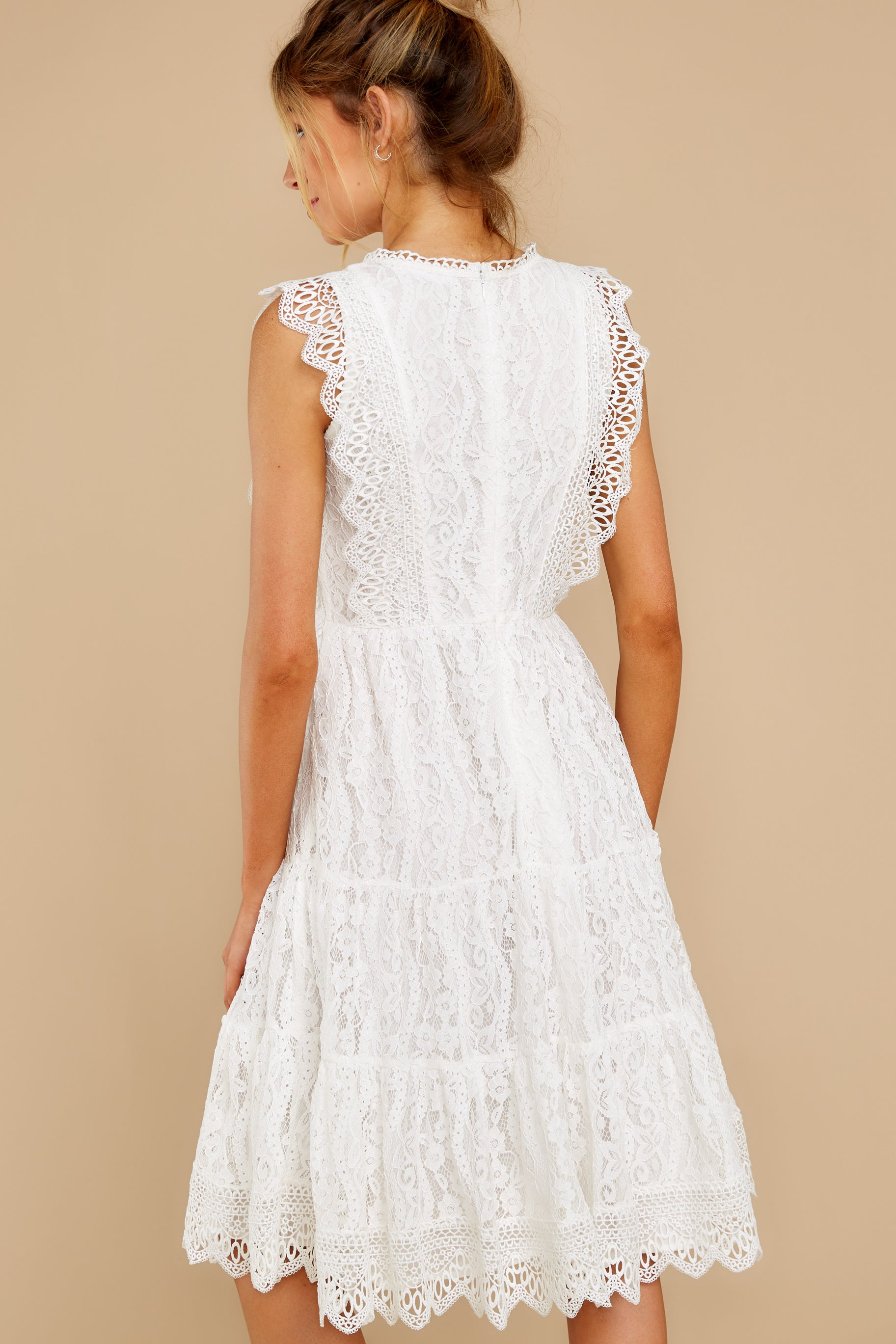 8 Simply Amazing White Lace Dress at reddress.com