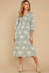 2 Above It All Sage Print Midi Dress at reddress.com