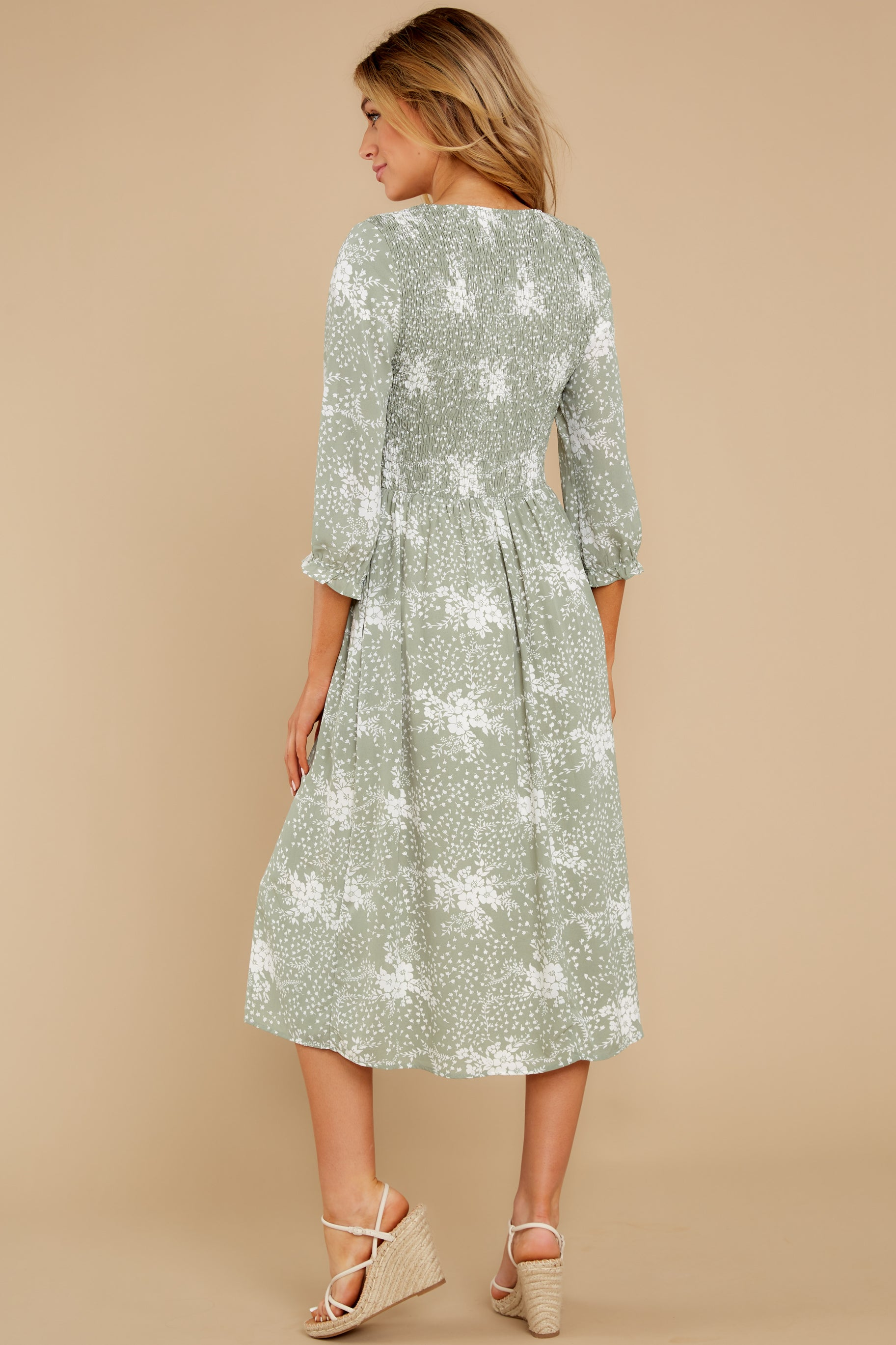 7  Above It All Sage Print Midi Dress at reddress.com