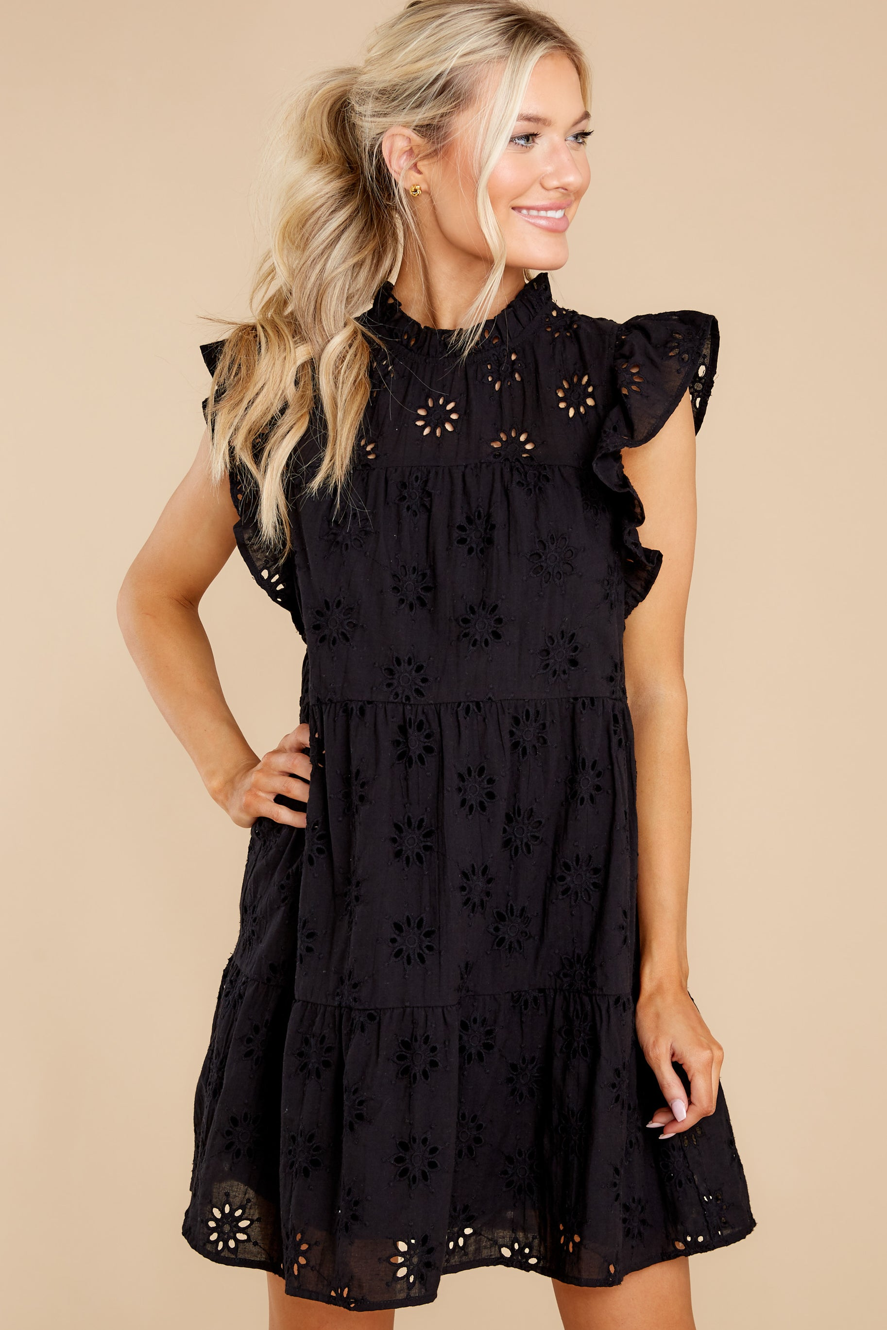 8 So Unreal Black Dress at reddress.com