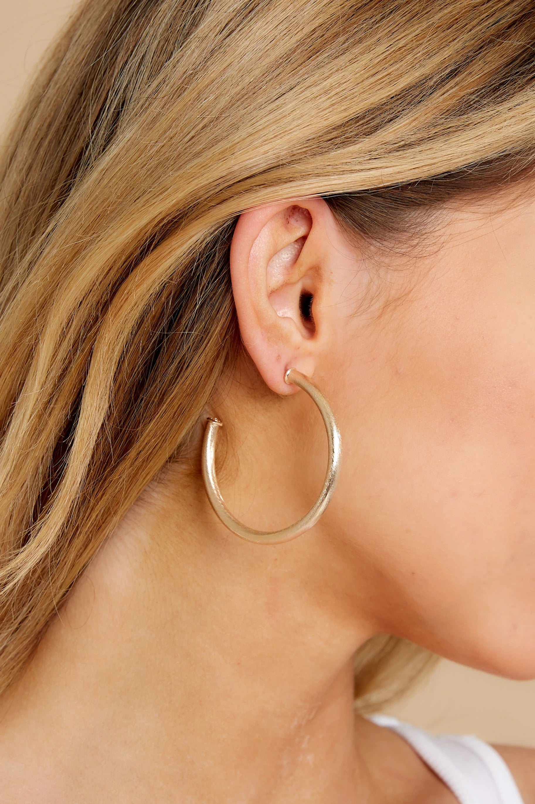 2 Everybody's Favorite Small Champagne Hoops at reddress.com