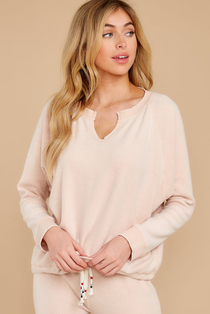 1 Weekend Retreat Peach Beach Sweatshirt at reddress.com
