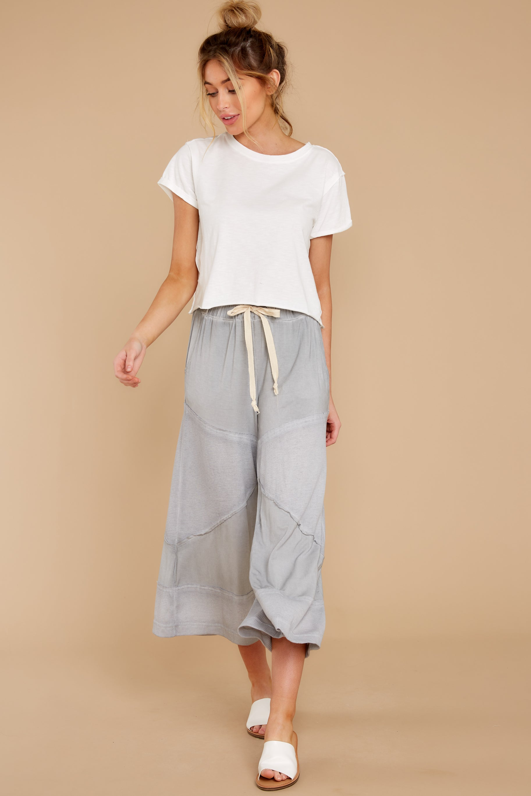 7 On The Other Side Dove Grey Pants at reddress.com