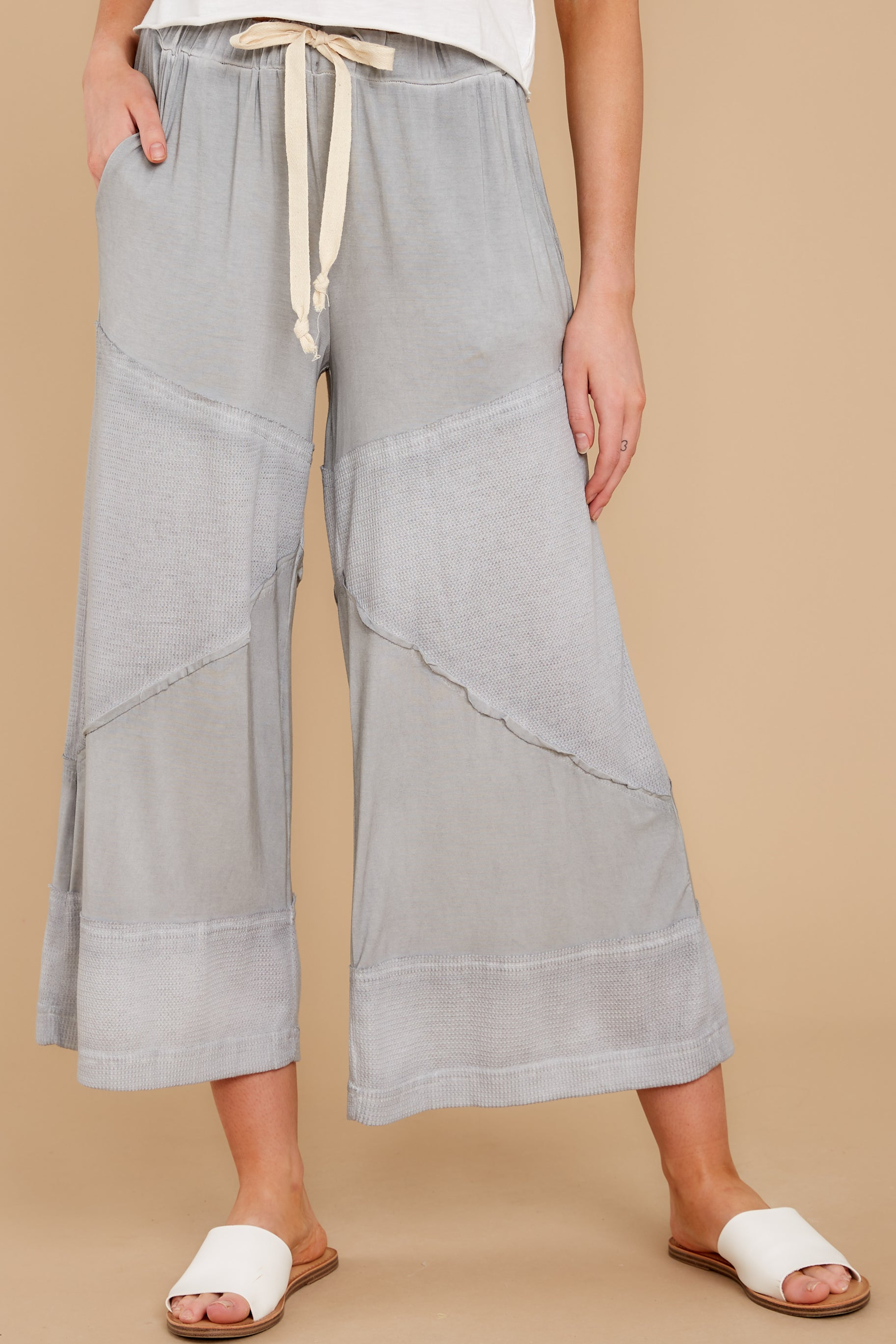 2 On The Other Side Dove Grey Pants at reddress.com