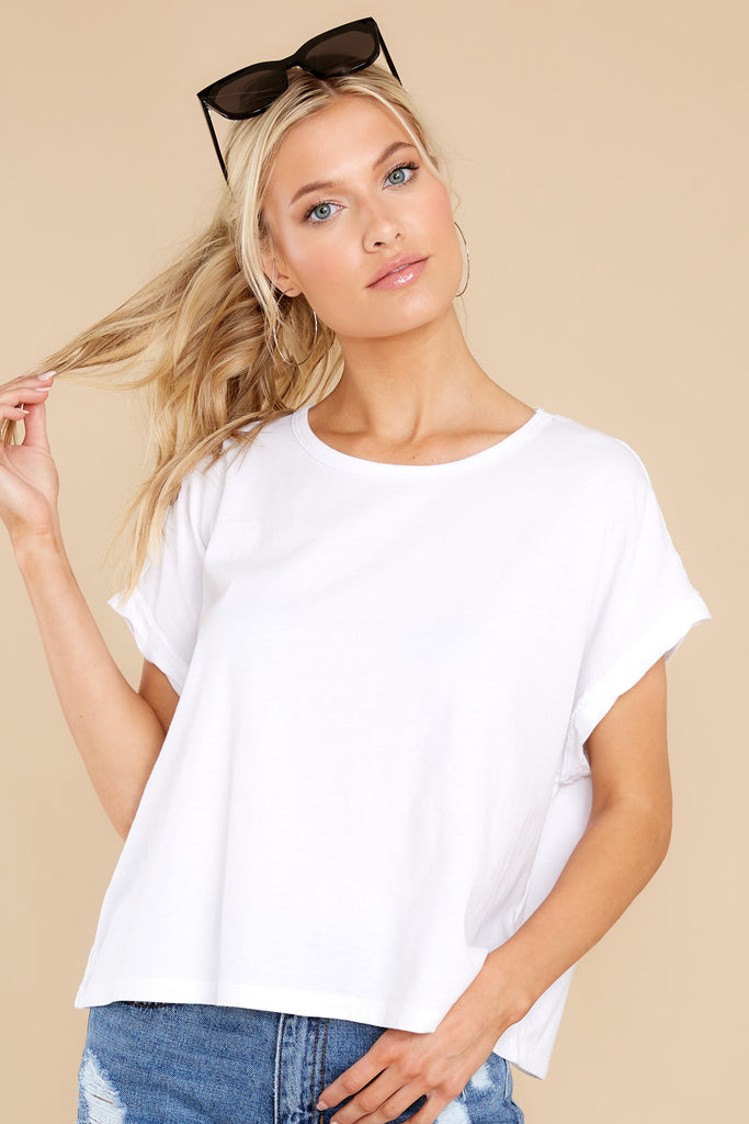 1 Isla White Organic Skimmer Tee at reddress.com