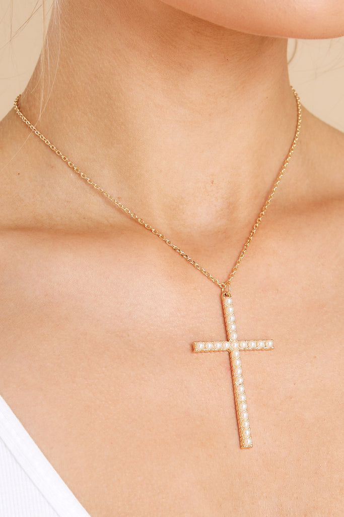 1 Purest Devotion Pearl And Gold Cross Necklace at reddress.com
