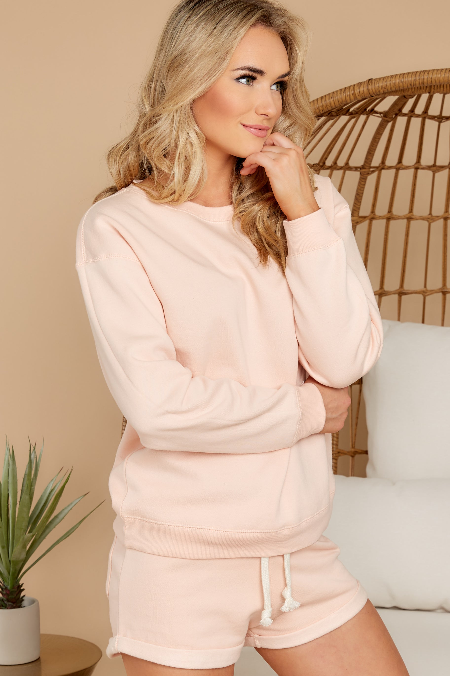 6 Weekend Retreat Peach Beach Sweatshirt at reddress.com