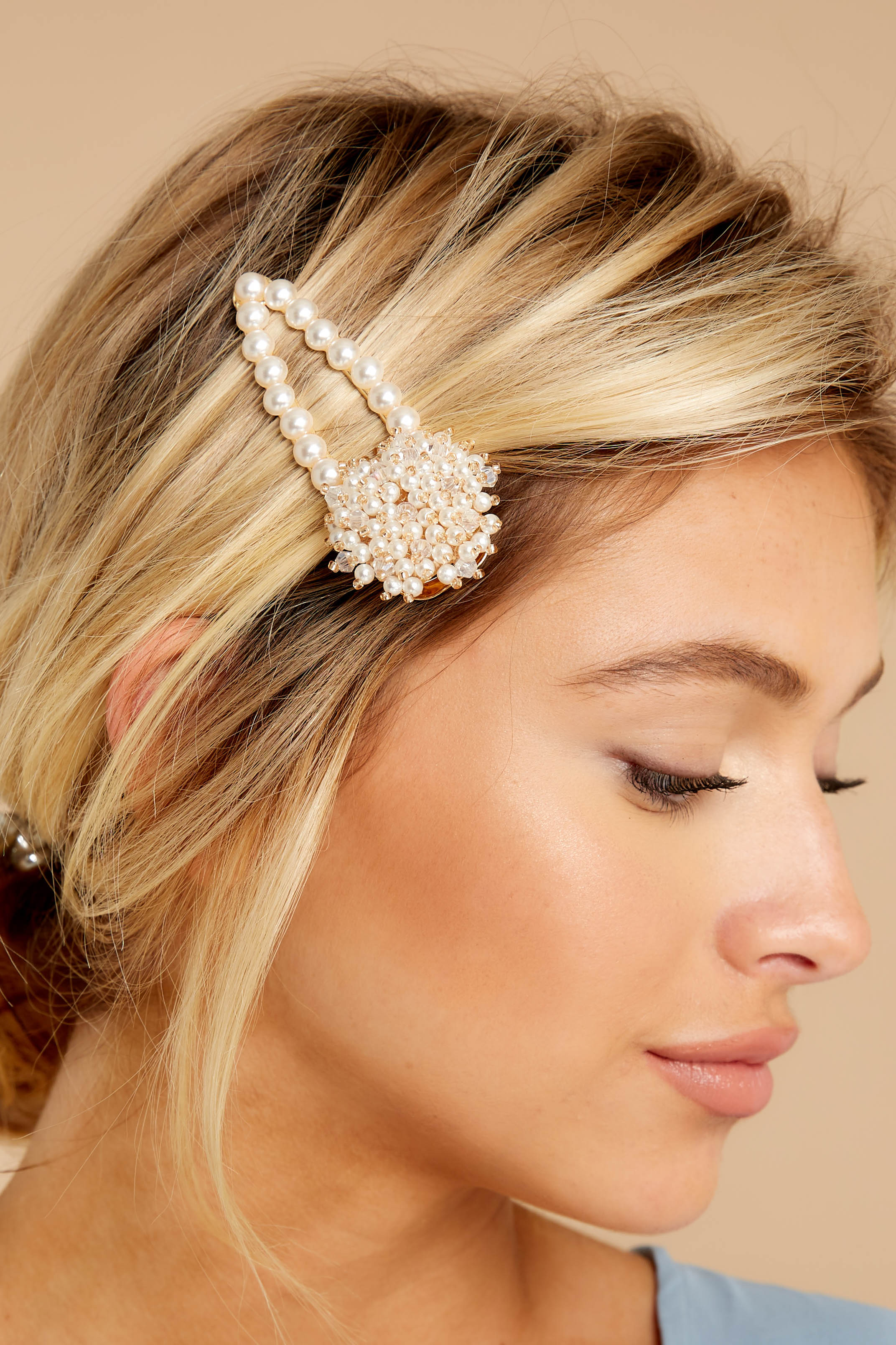 1 Accentuated Style Pearl Hair Clip at reddressboutique.com