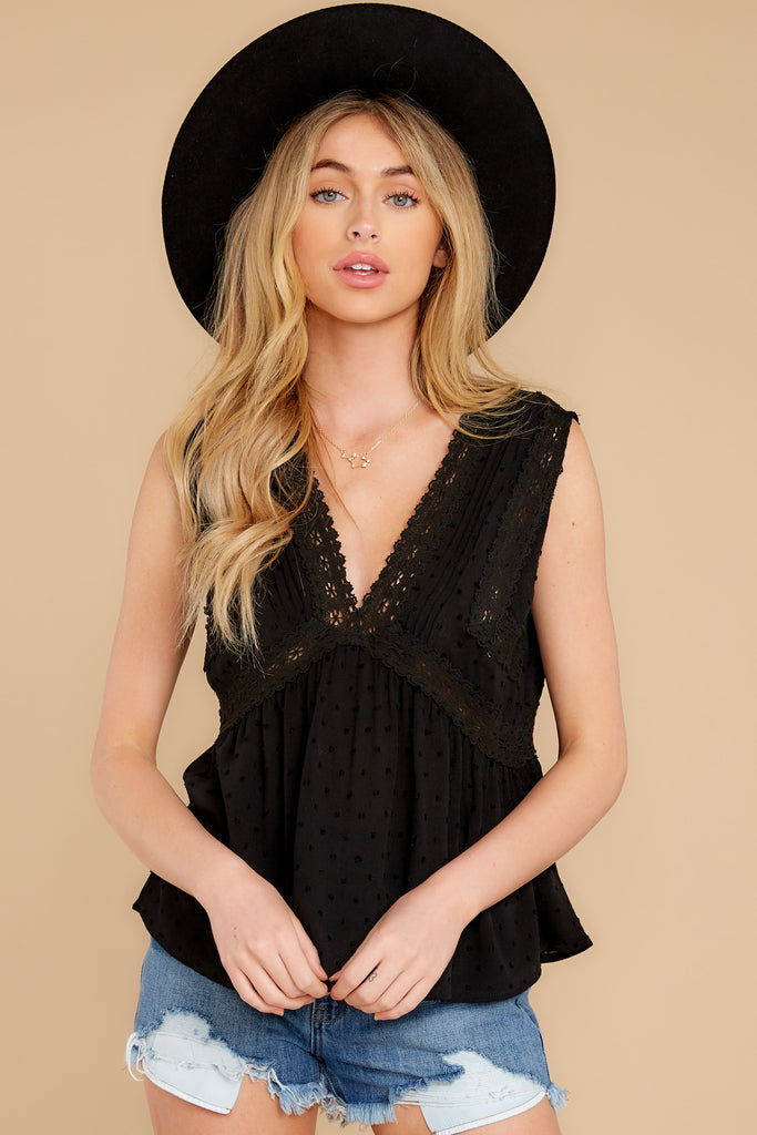 1 Slip Into This Black Lace Tank Top at reddress.com