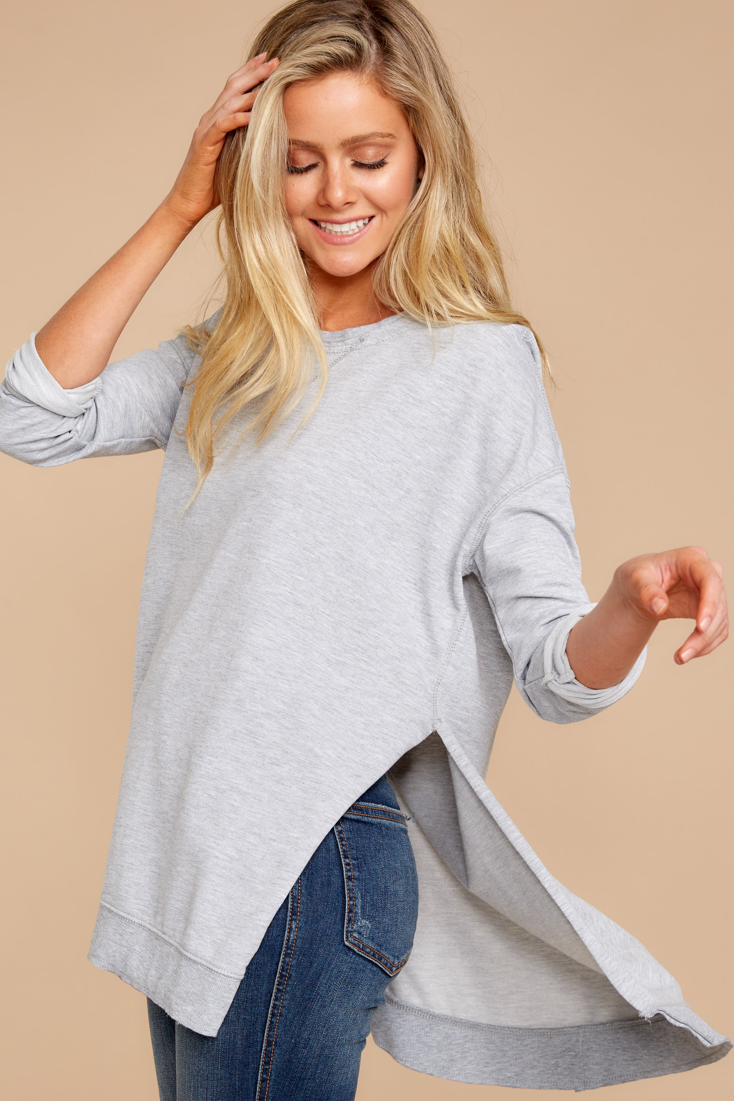 5 Weekender Sweater In Heather Grey at reddressboutique.com