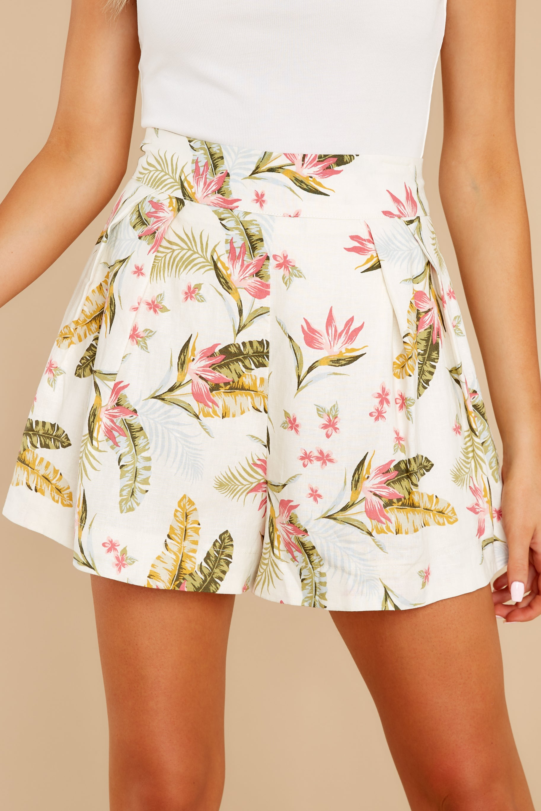 4 Never Coming Back Ivory Tropical Print Shorts at reddress.com