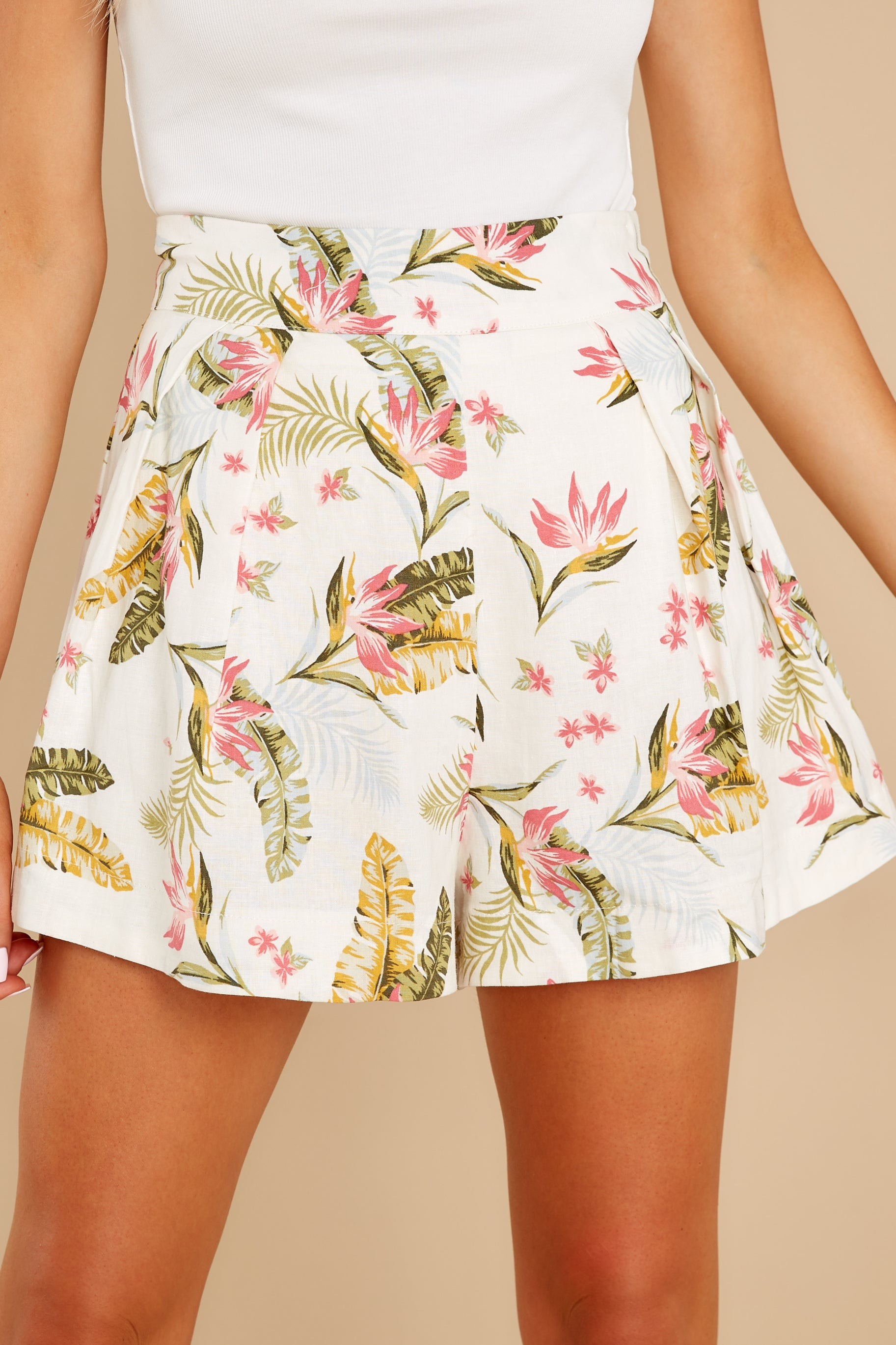 5 Never Coming Back Ivory Tropical Print Shorts at reddress.com