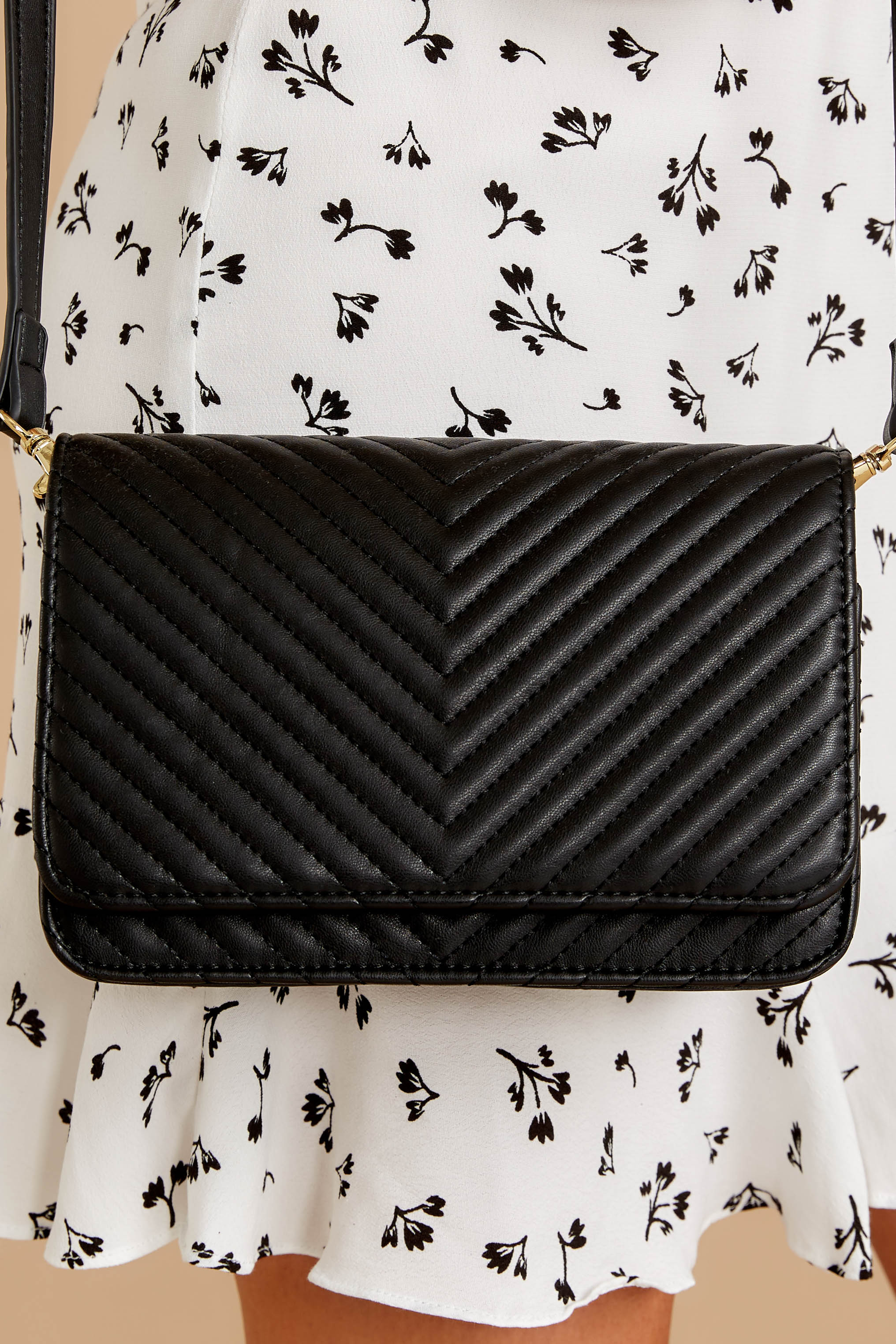 1 Totally Chic Black Purse at reddressboutique.com