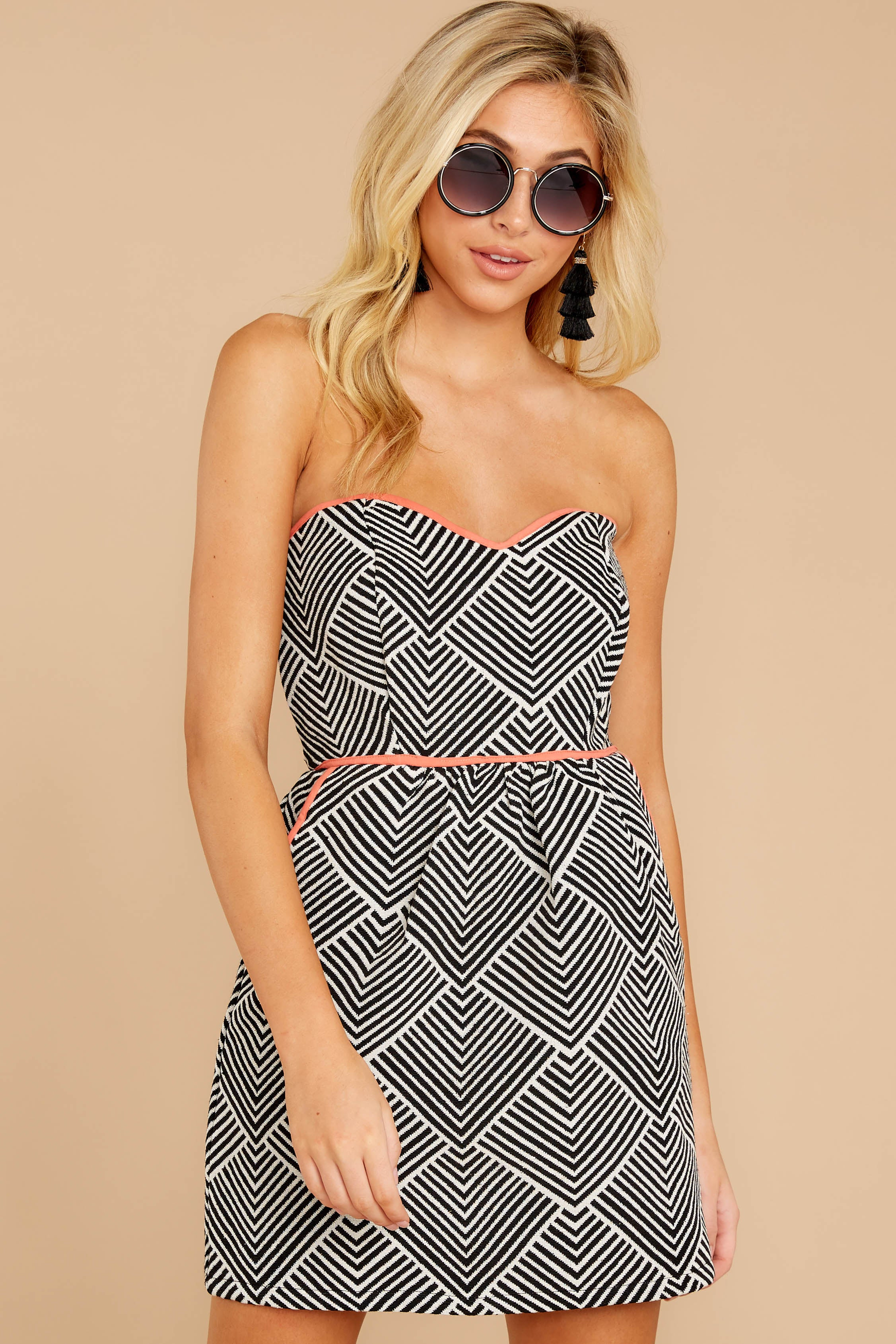 5 Let's Cruise Black And White Print Dress at reddress.com