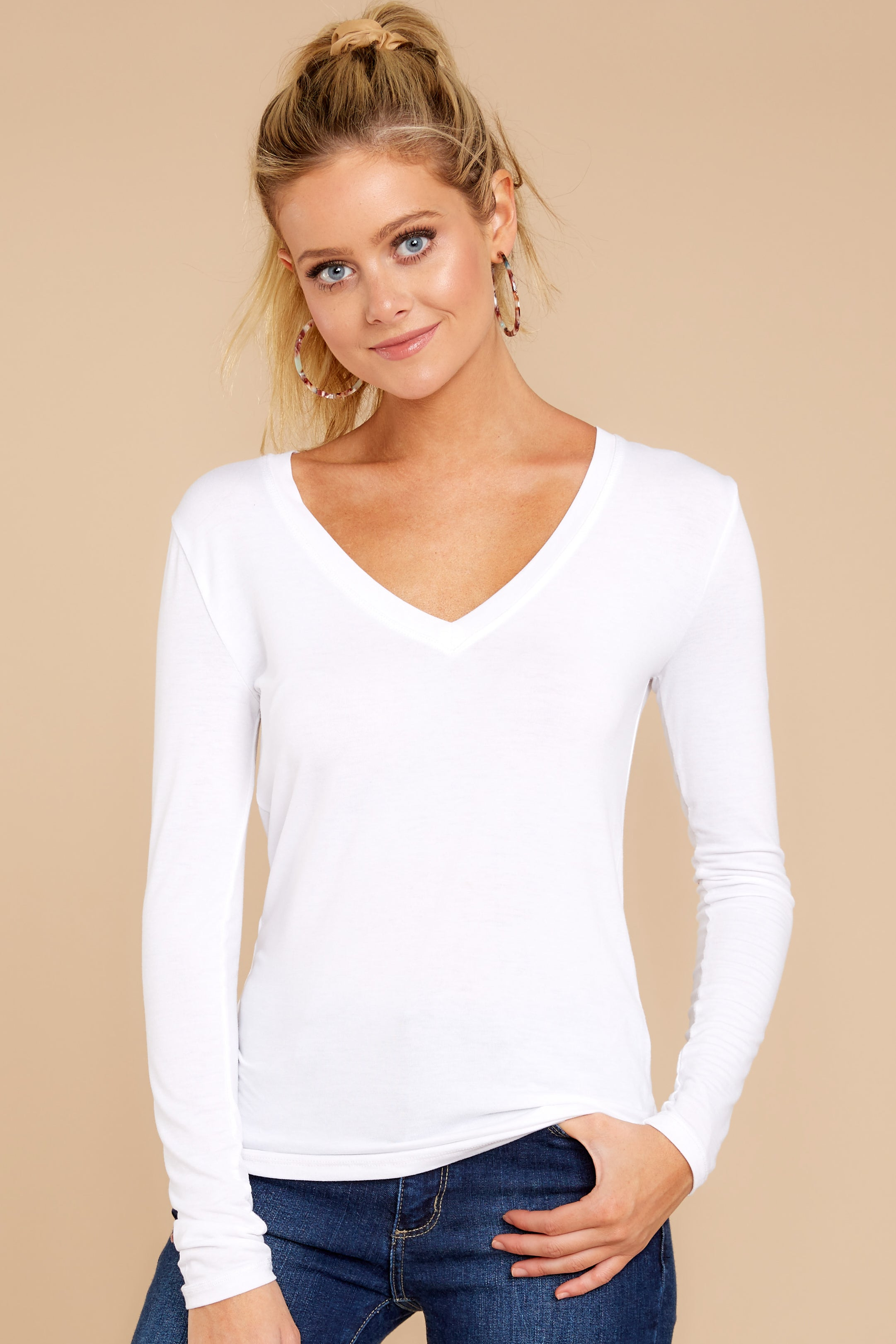46ecf993a6c5e2 Z Supply Fitted Long Sleeve V Neck Tee - White Top - Tee - $42.00 ...