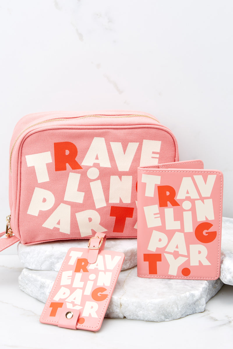 4 Traveling Party Getaway Toiletries Bag at reddress.com