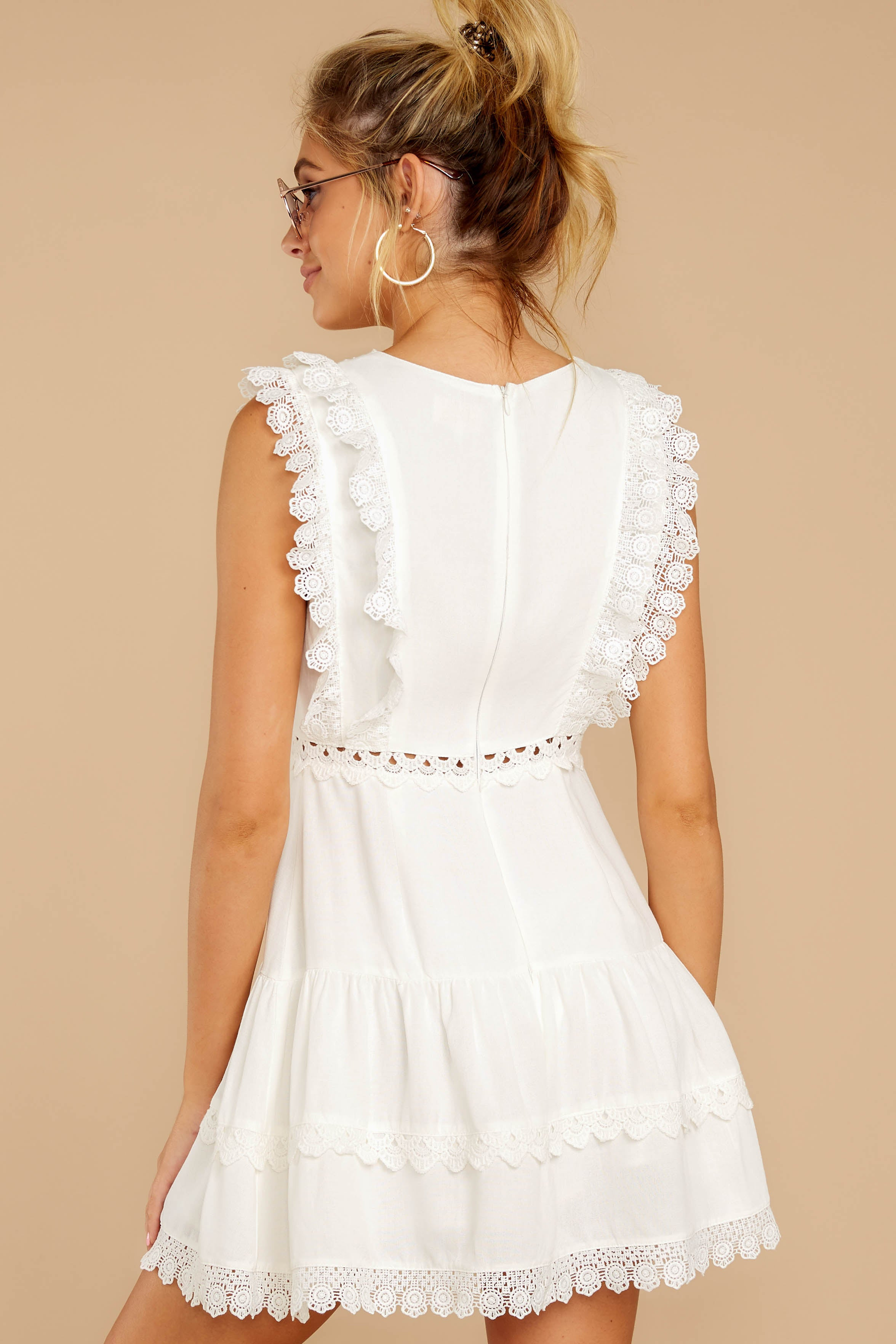 7 Looking For More White Dress at reddress.com