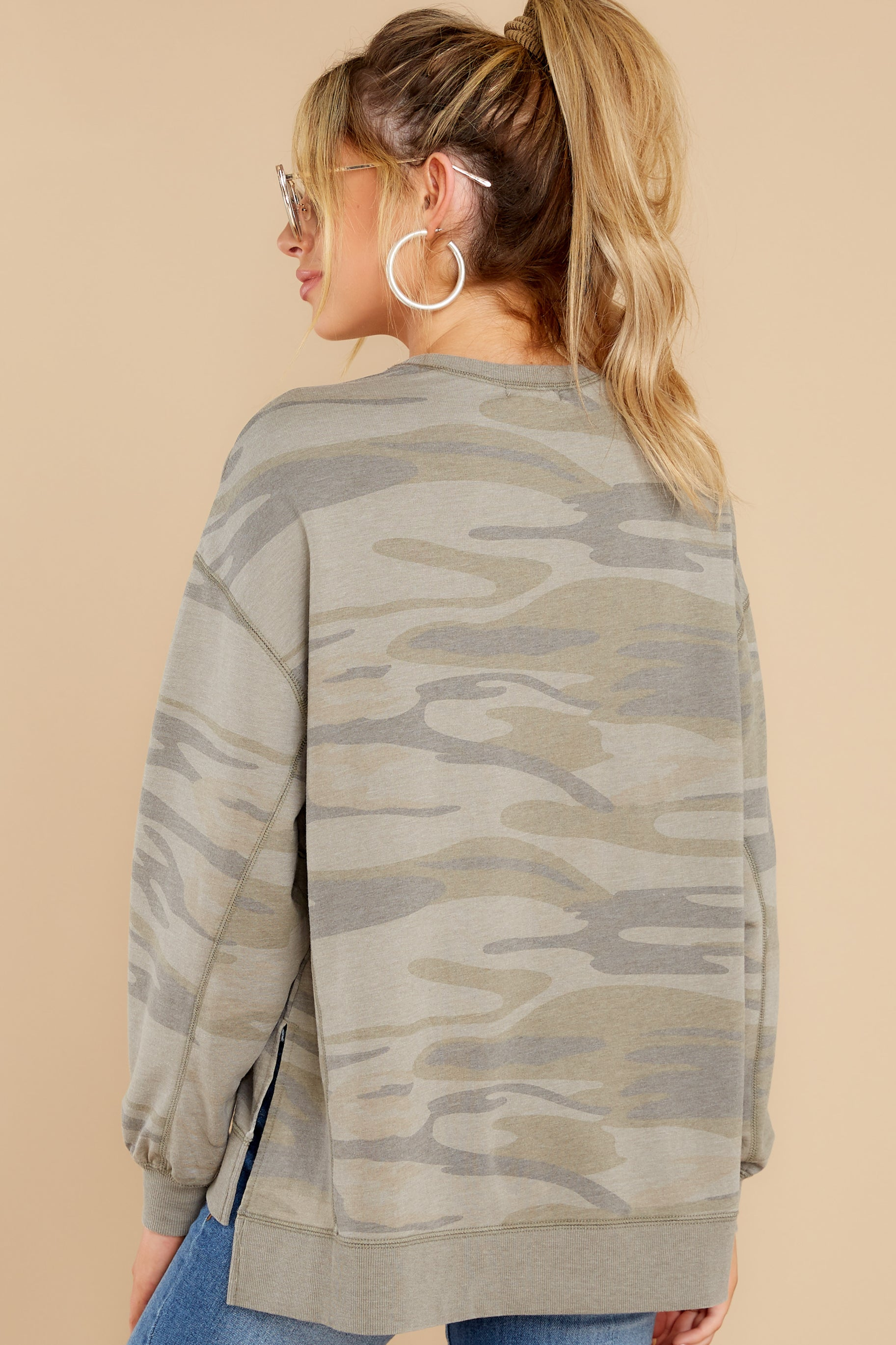 7 Modern Light Sage Camo Weekender at reddress.com