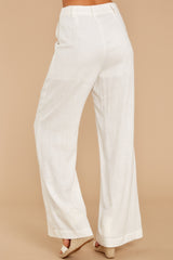 3 Influential Style White Pants at reddressboutique.com