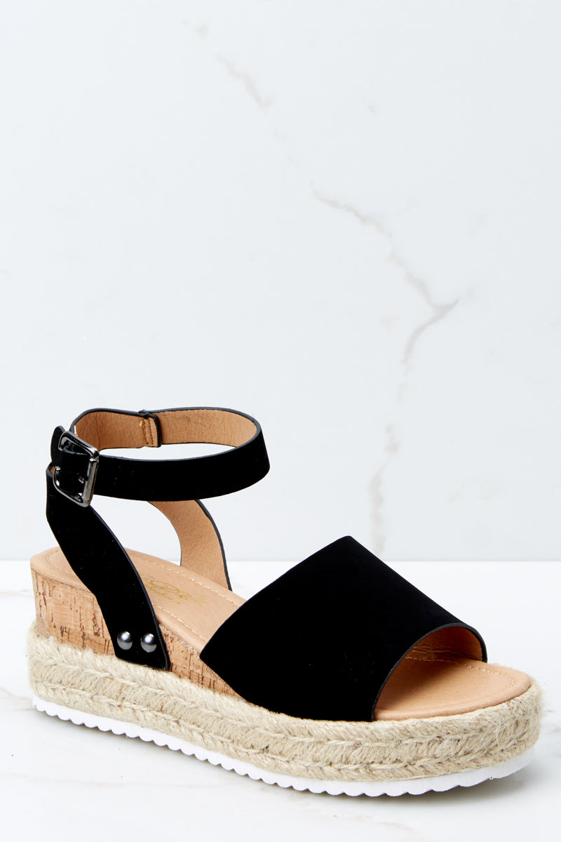 Meet Me Here Black Flatform Sandal
