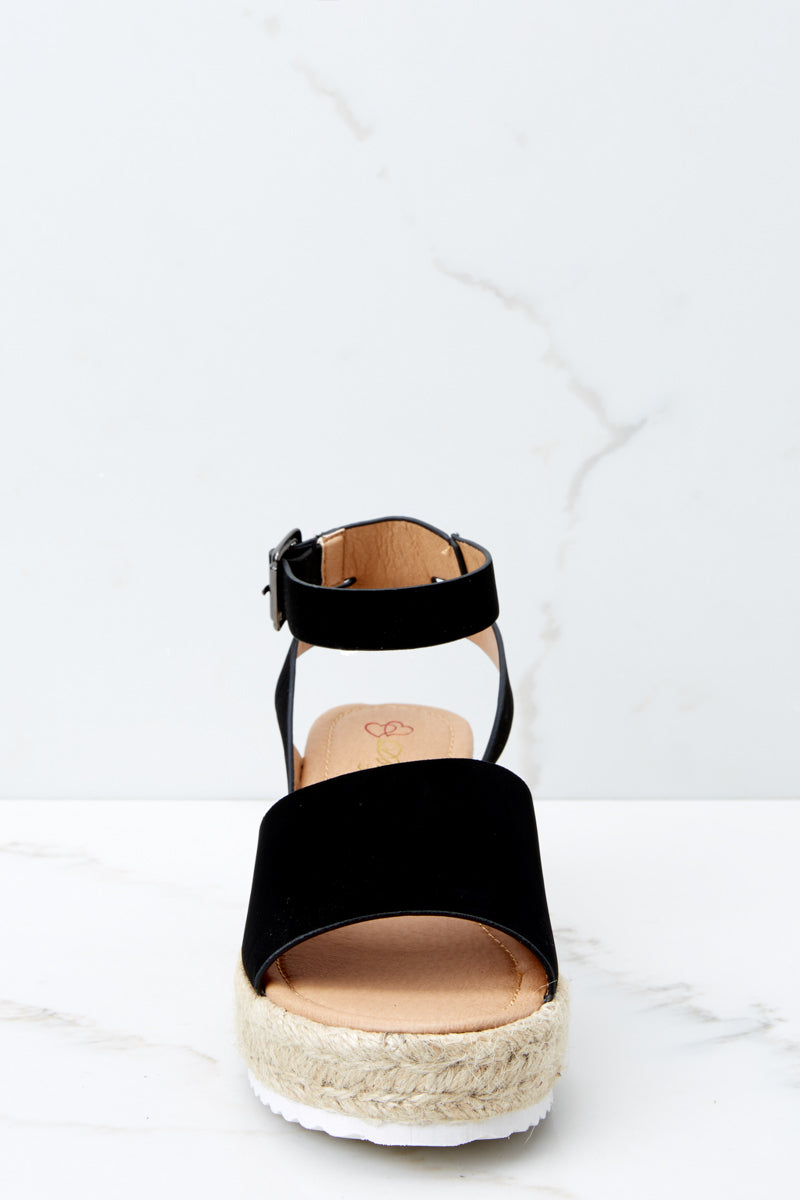 2 Meet Me Here Black Flatform Sandal at reddress.com