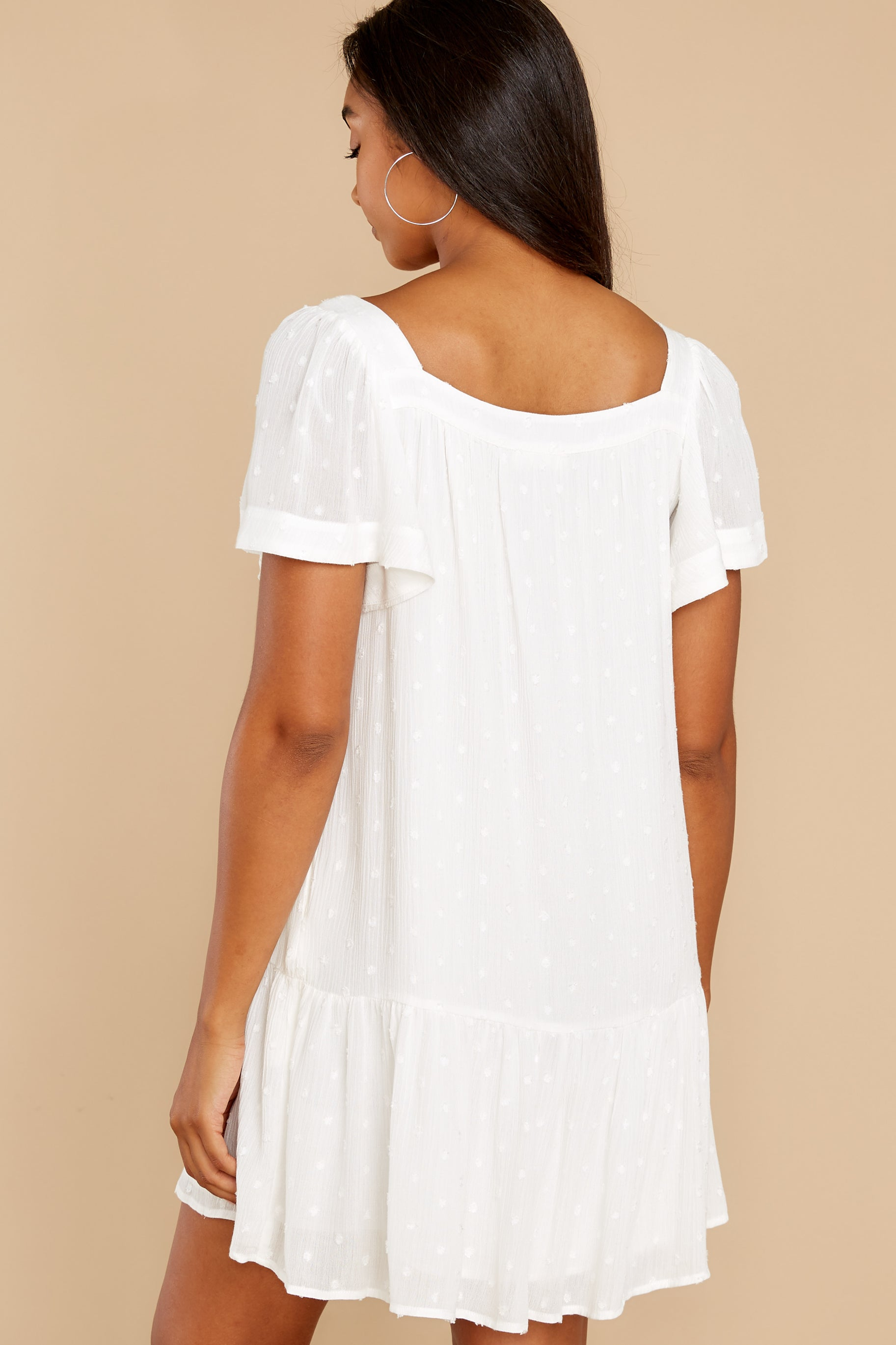 7 Small Details White Dress at reddress.com