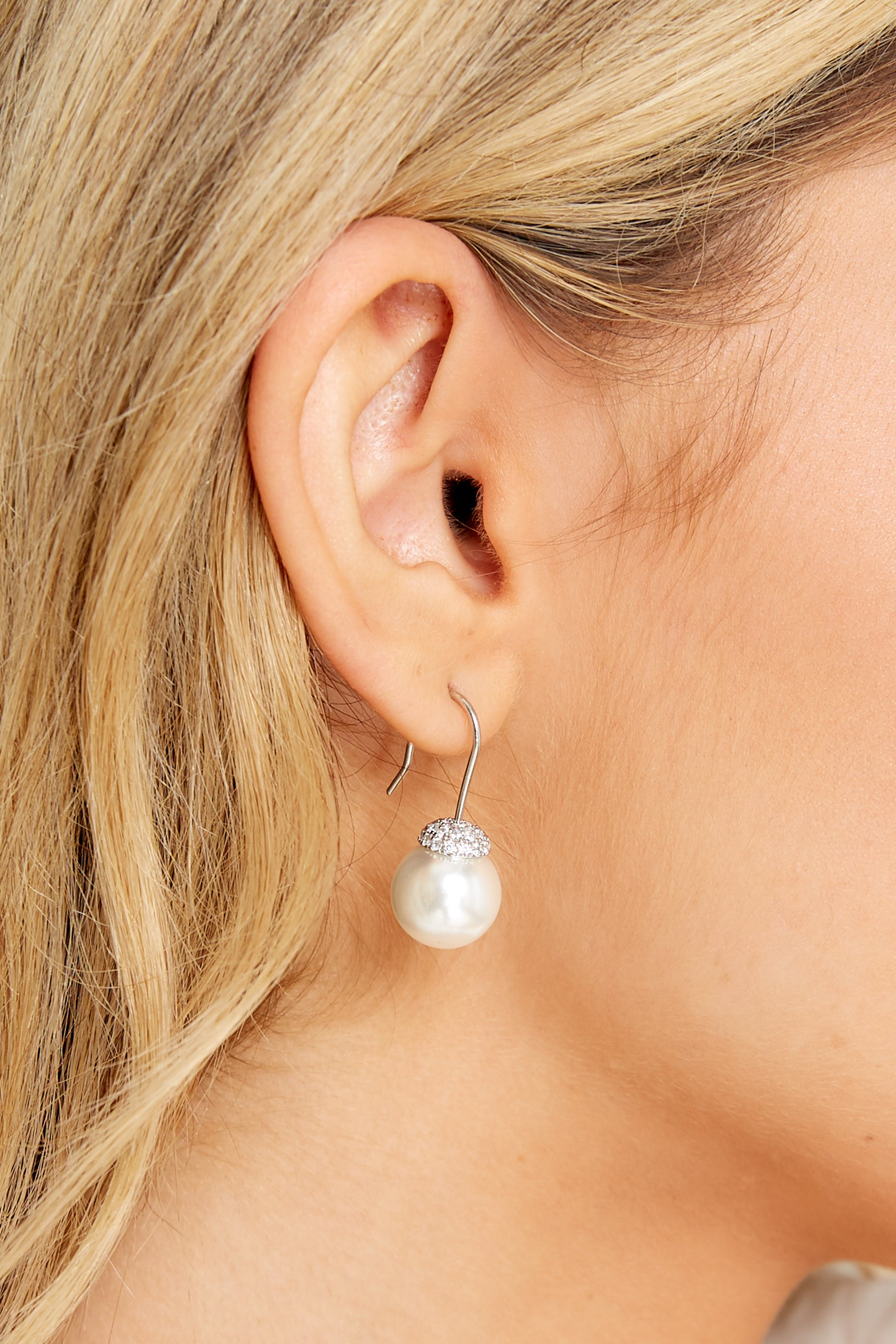1 Brighter Horizons Silver Pearl Earrings at reddress.com