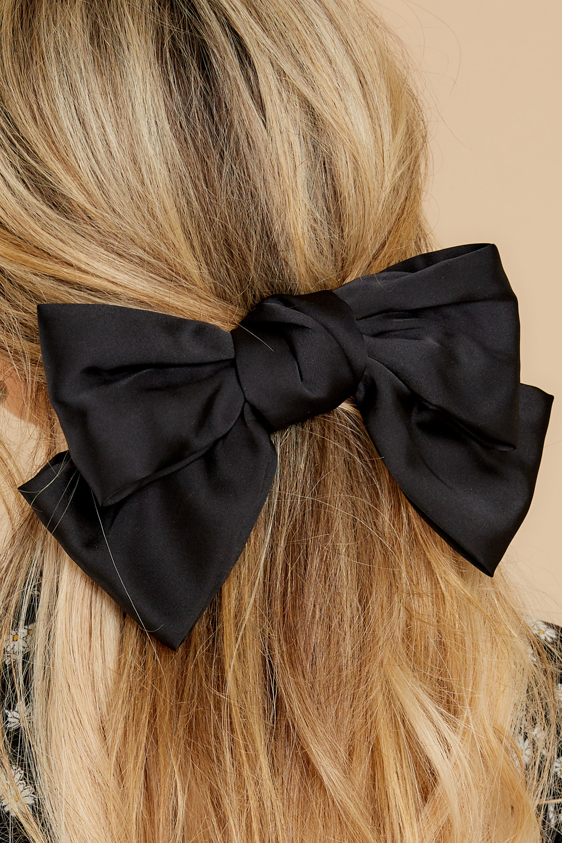 1 Hello Darling Black Bow @ reddress.com