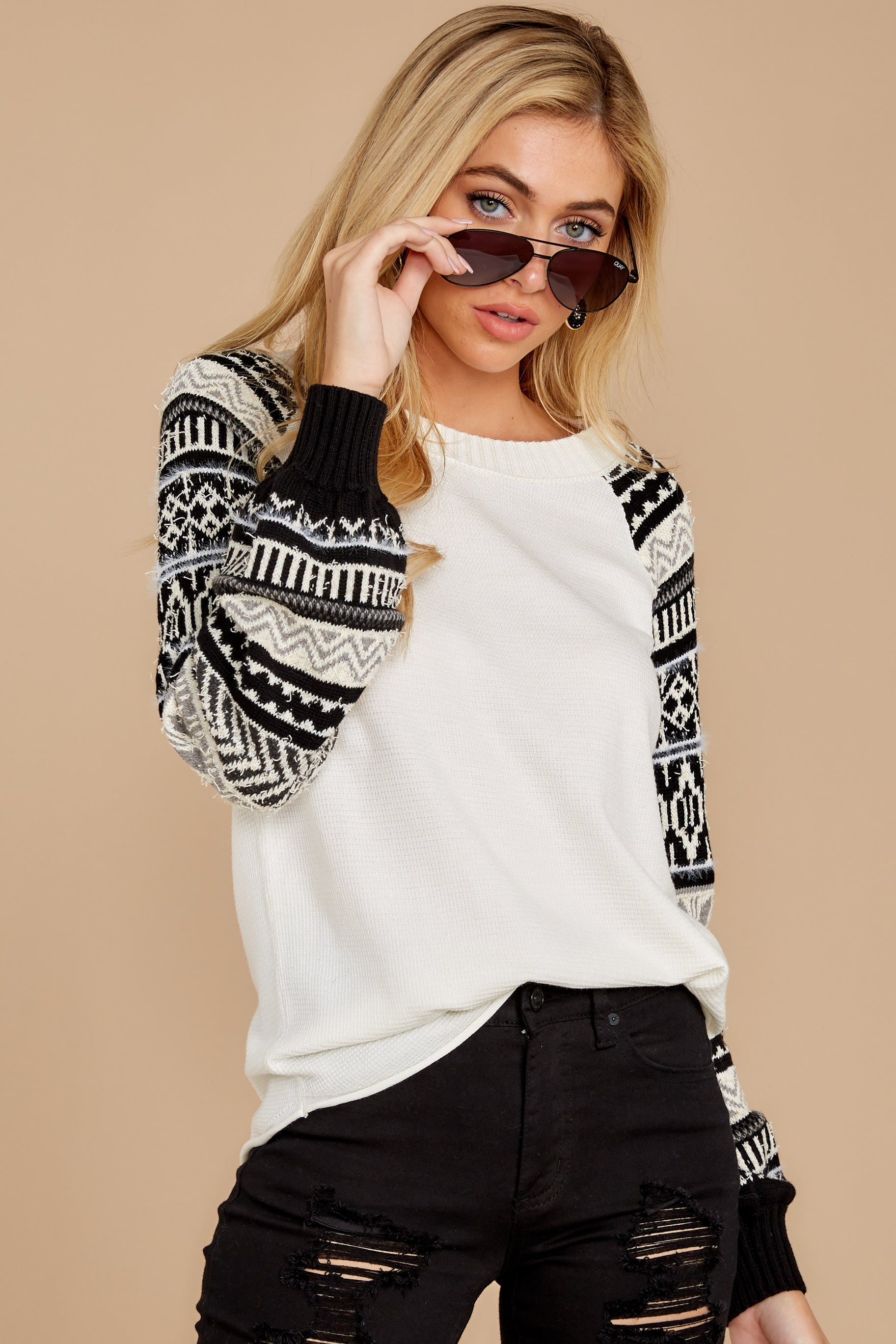 5 Never Settle Black And White Sweater at reddress.com