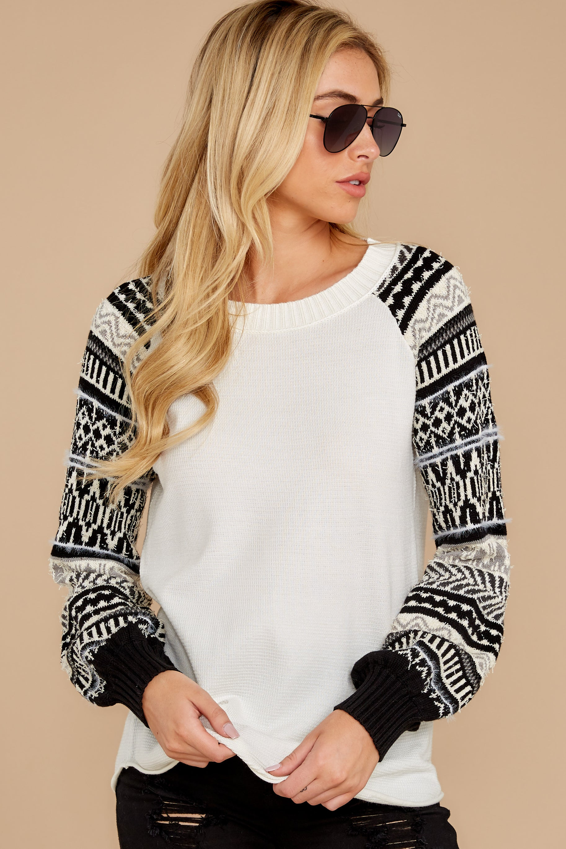 8 Never Settle Black And White Sweater at reddress.com