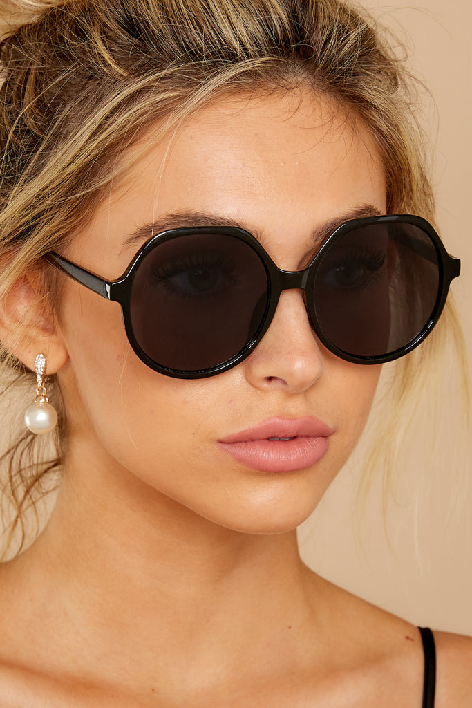 1 See What You Want Black Fade Tortoise Sunglasses at reddressboutique.com