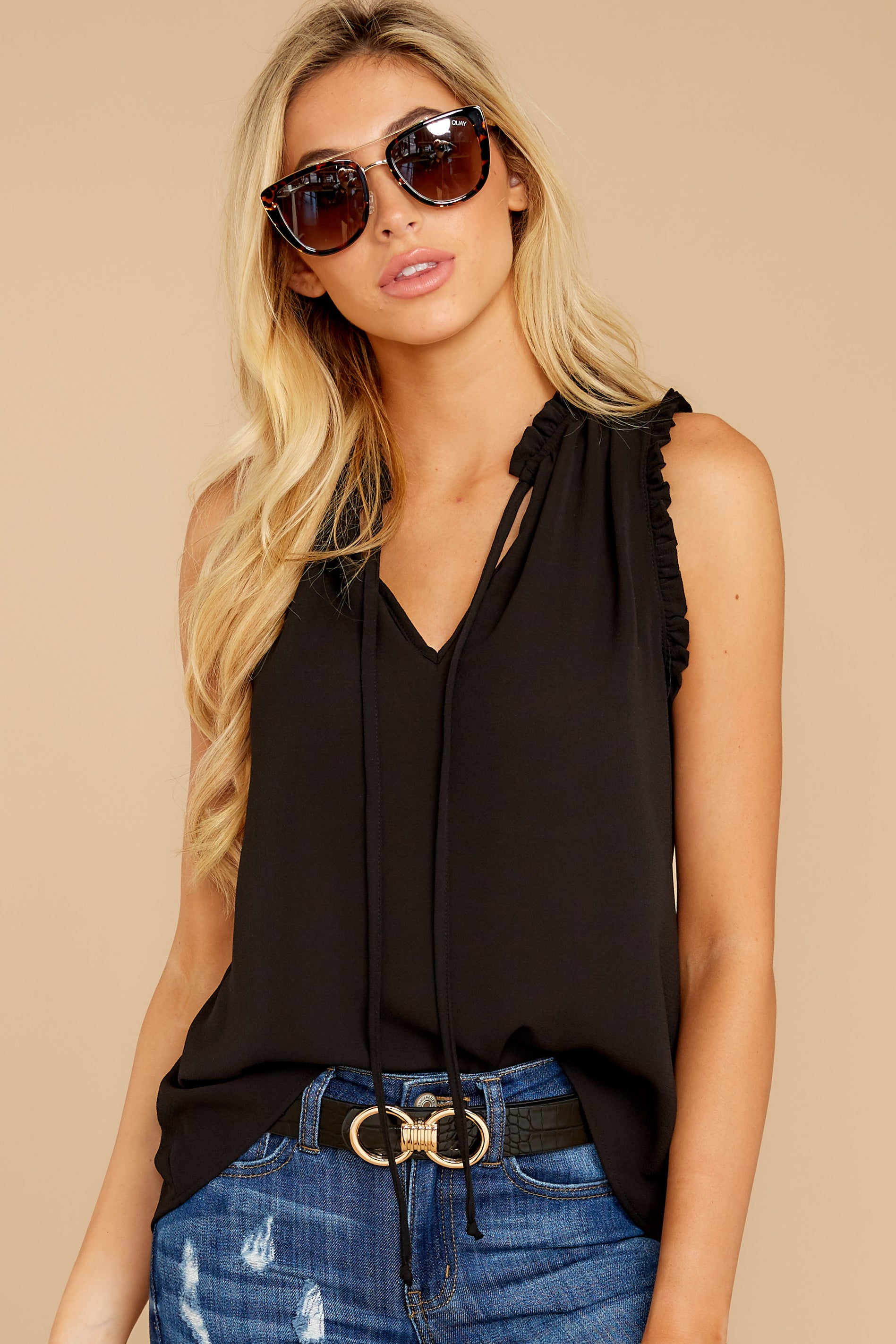 7 Fashion Classification Black Top at reddress.com