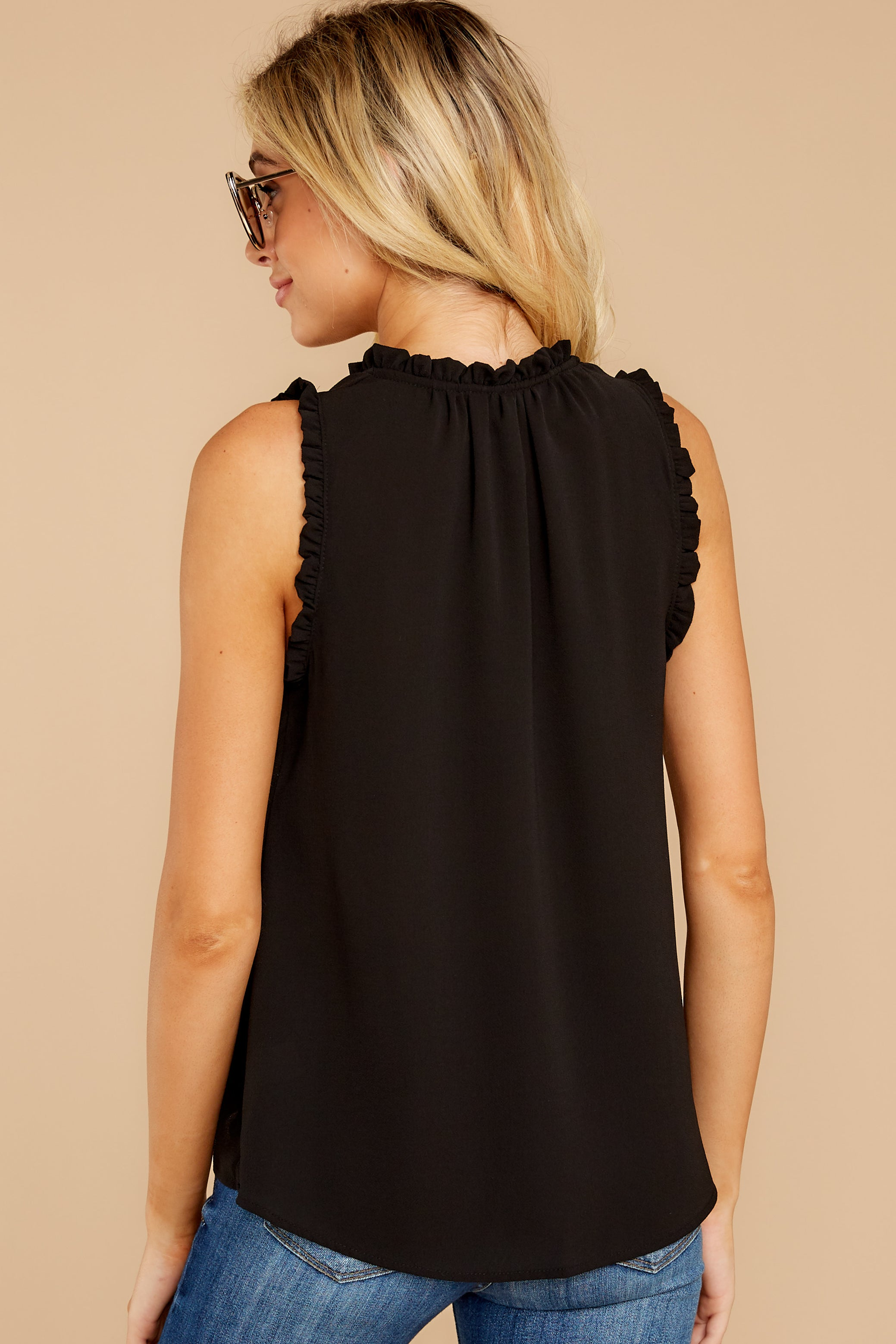 8 Fashion Classification Black Top at reddress.com