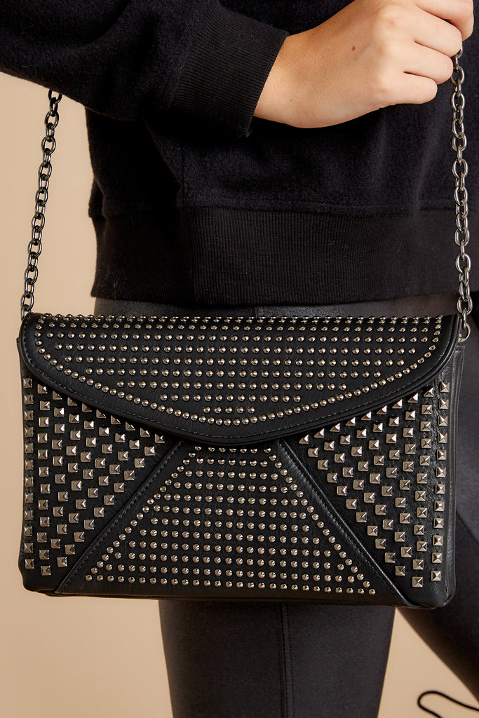 1 Everyone Will Know Black And Clear Purse at reddressboutique.com